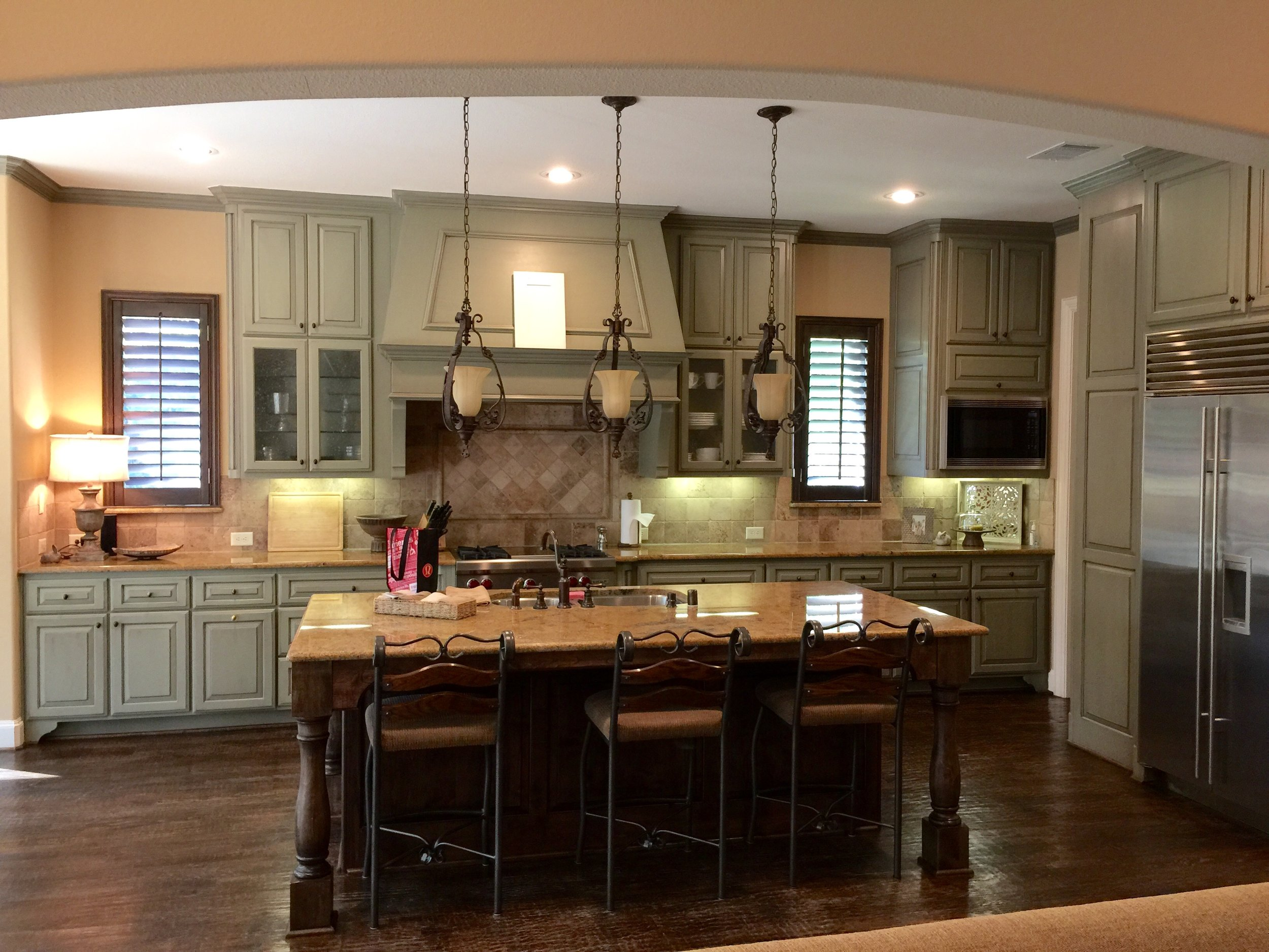 BEFORE Remodel - three pendants over kitchen island