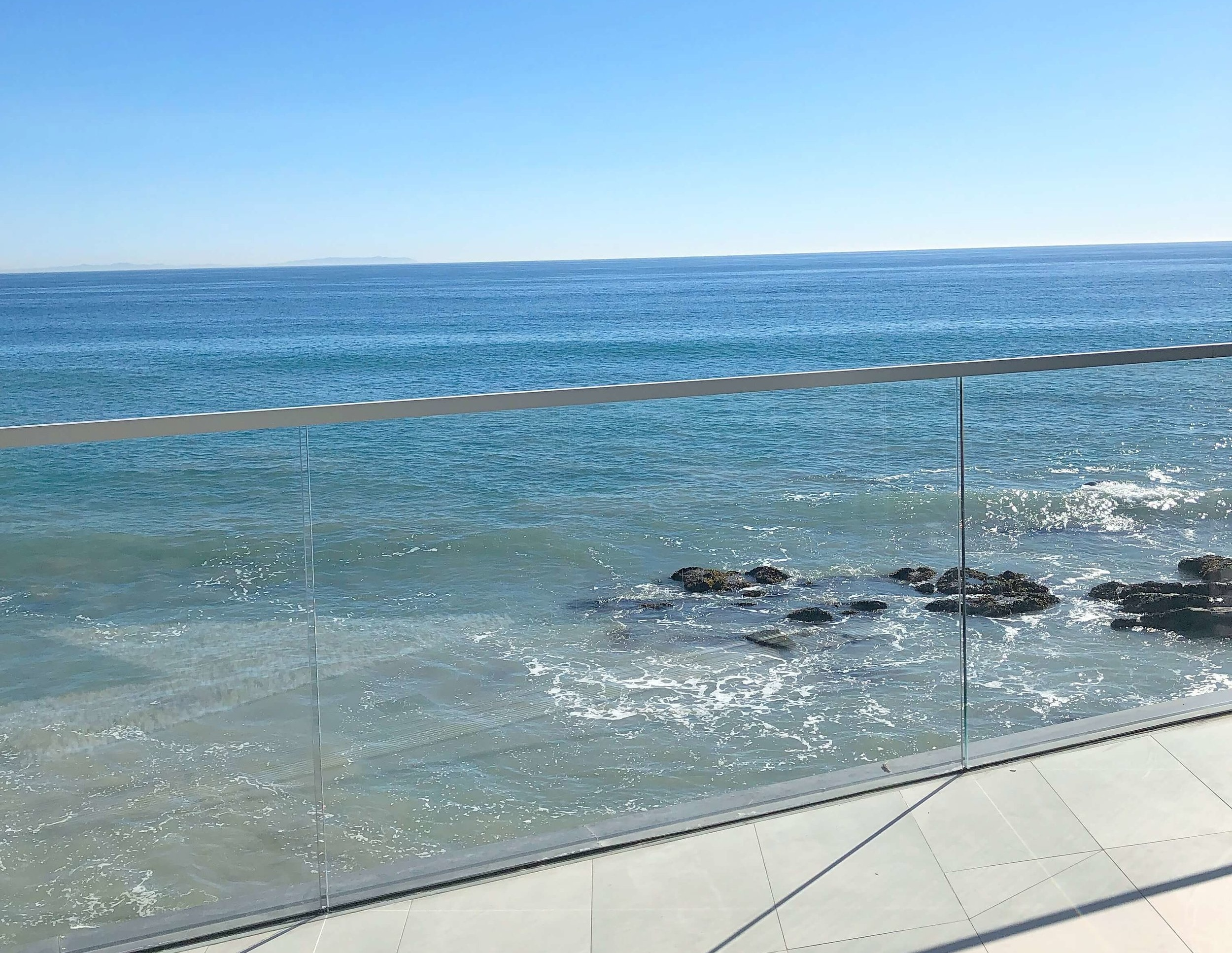 Malibu Home Tours - Dwell by Design, Architect Lorcan O'Herlihy #contemporaryarchitecture