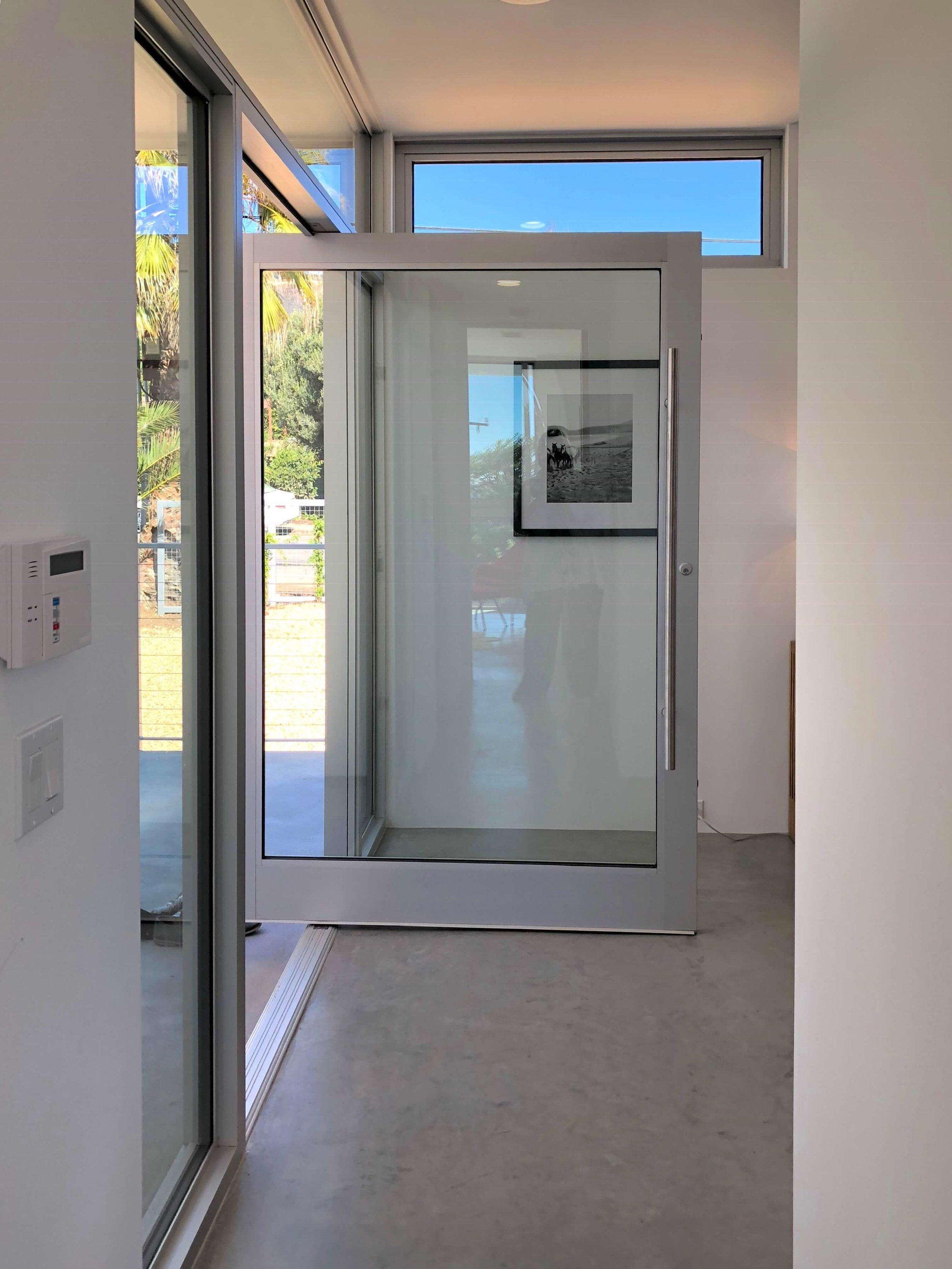 California contemporary design - Dwell on Design's Fall Home Tour, Designer: Vitus Mitare #contemporaryarchitecture #pivotdoor