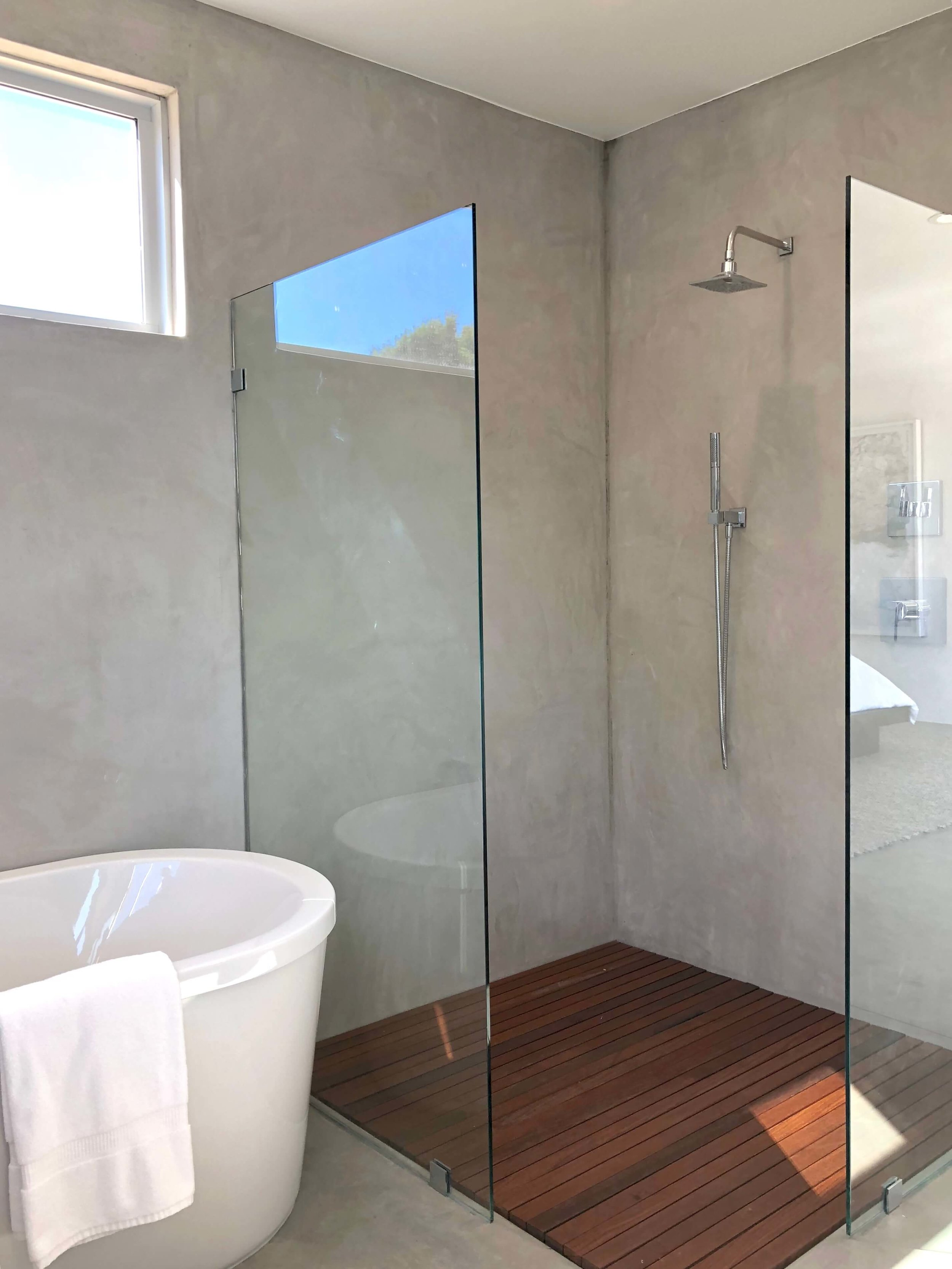 California contemporary design - Dwell on Design's Fall Home Tour, Designer: Vitus Mitare #contemporaryarchitecture #venetianplaster #shower