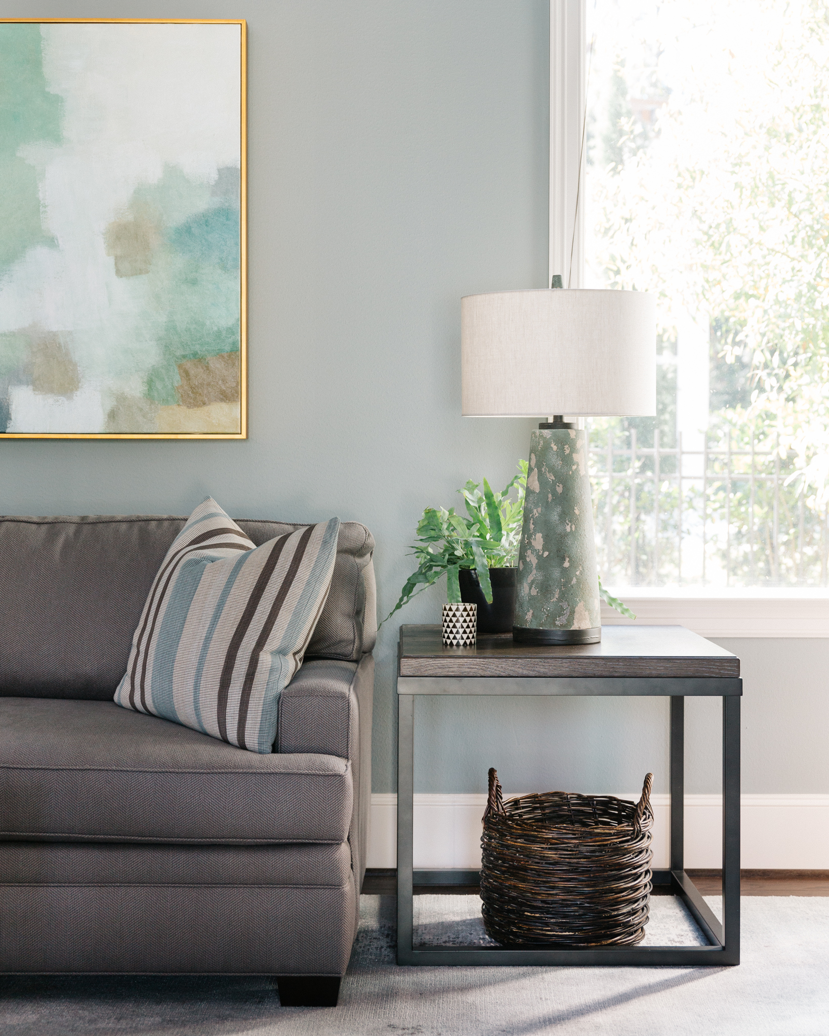 Project Reveal - Family room, backyard oasis, breakfast room | Carla Aston, Designer | Colleen Scott, Photographer | #familyroom #familyroomideas