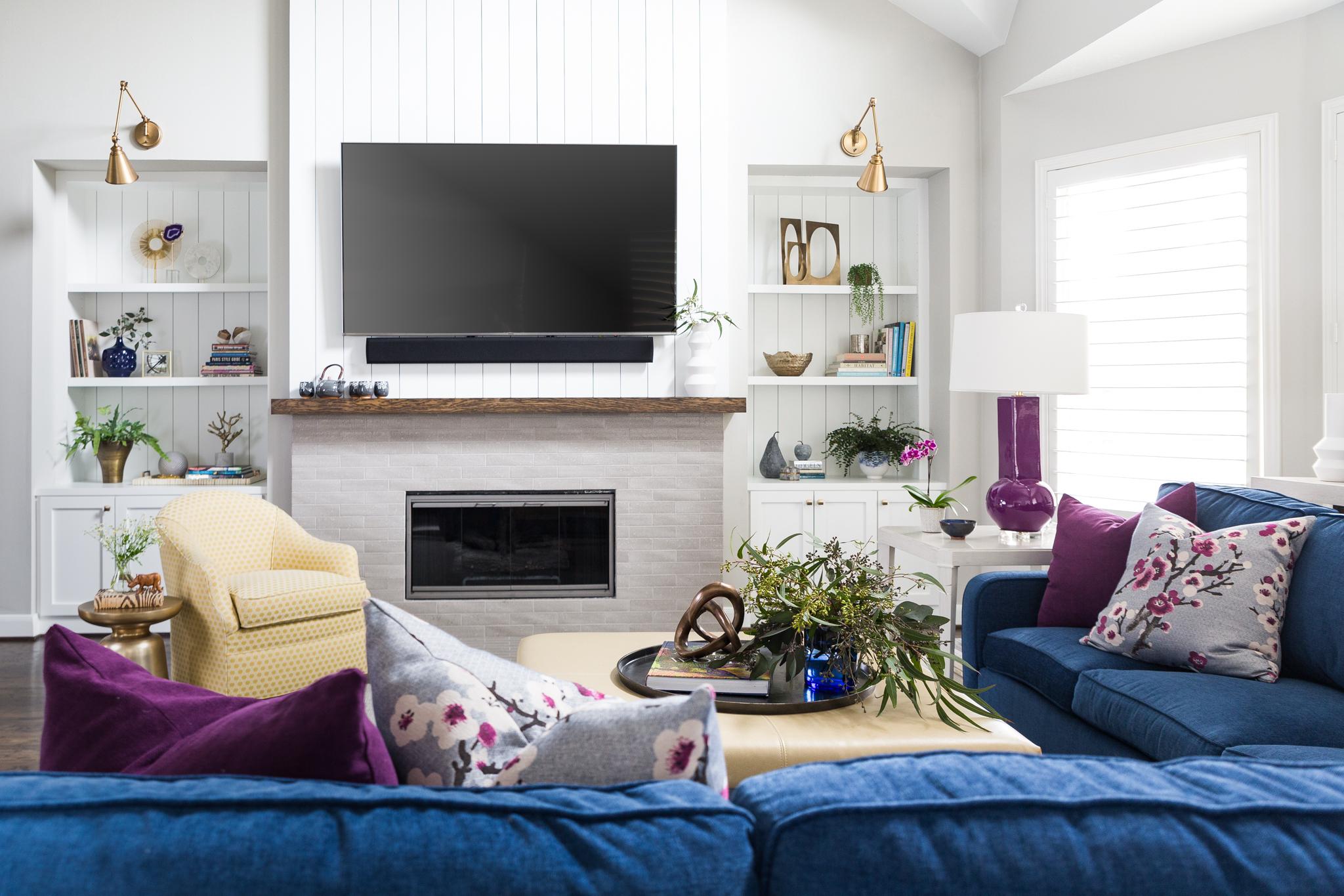 BEFORE AND AFTER - A Fresh, Light Family-Friendly Home Makeover | Carla Aston, Designer | Colleen Scott, Photographer #livingroom #livingroomideas