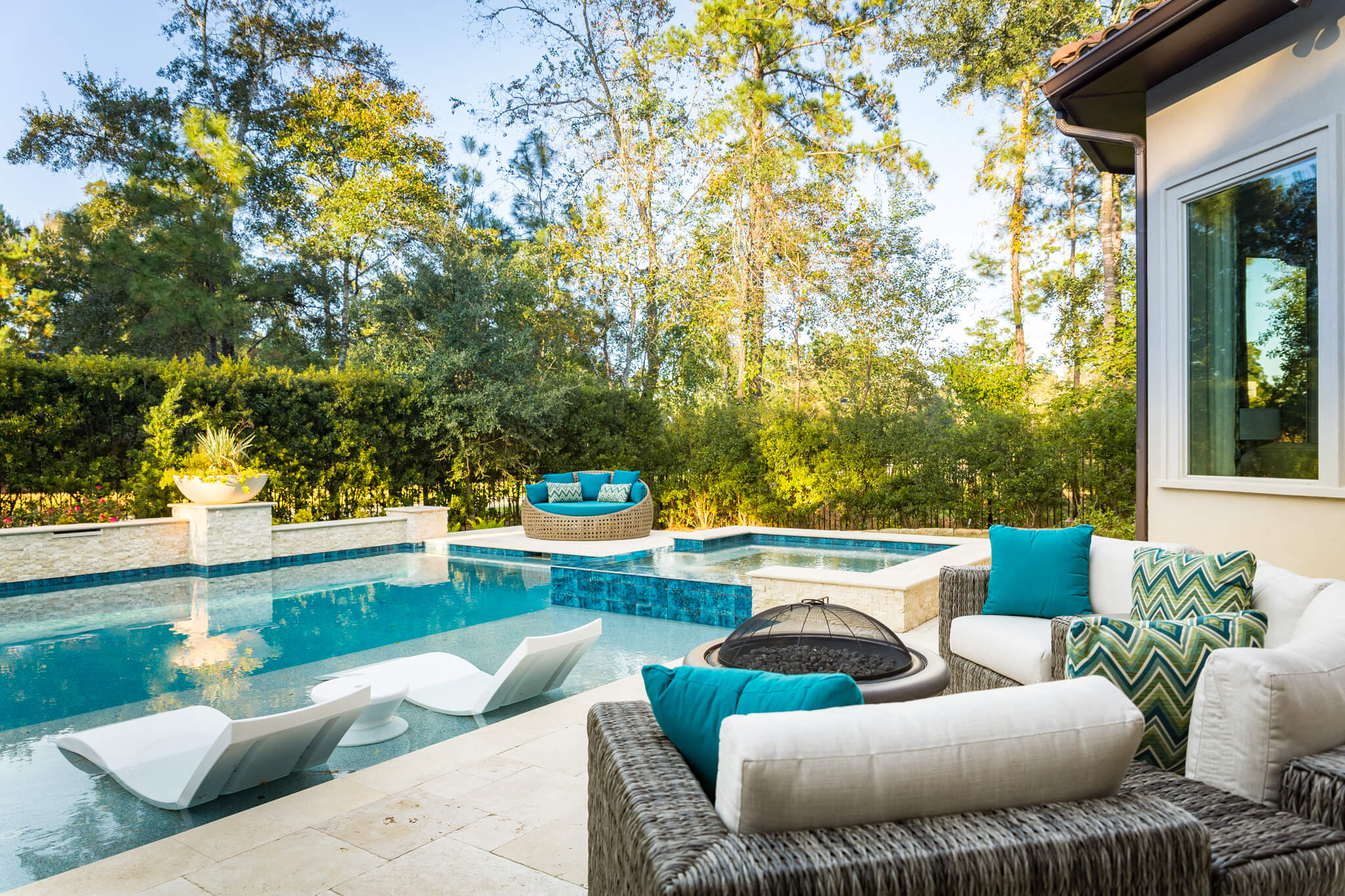 Outdoor Living posts are popular in spring months because people are planning for summer | Blog content ideas for interior designers | Outdoor living furnishings, Carla Aston - Designer, Colleen Scott - Photographer