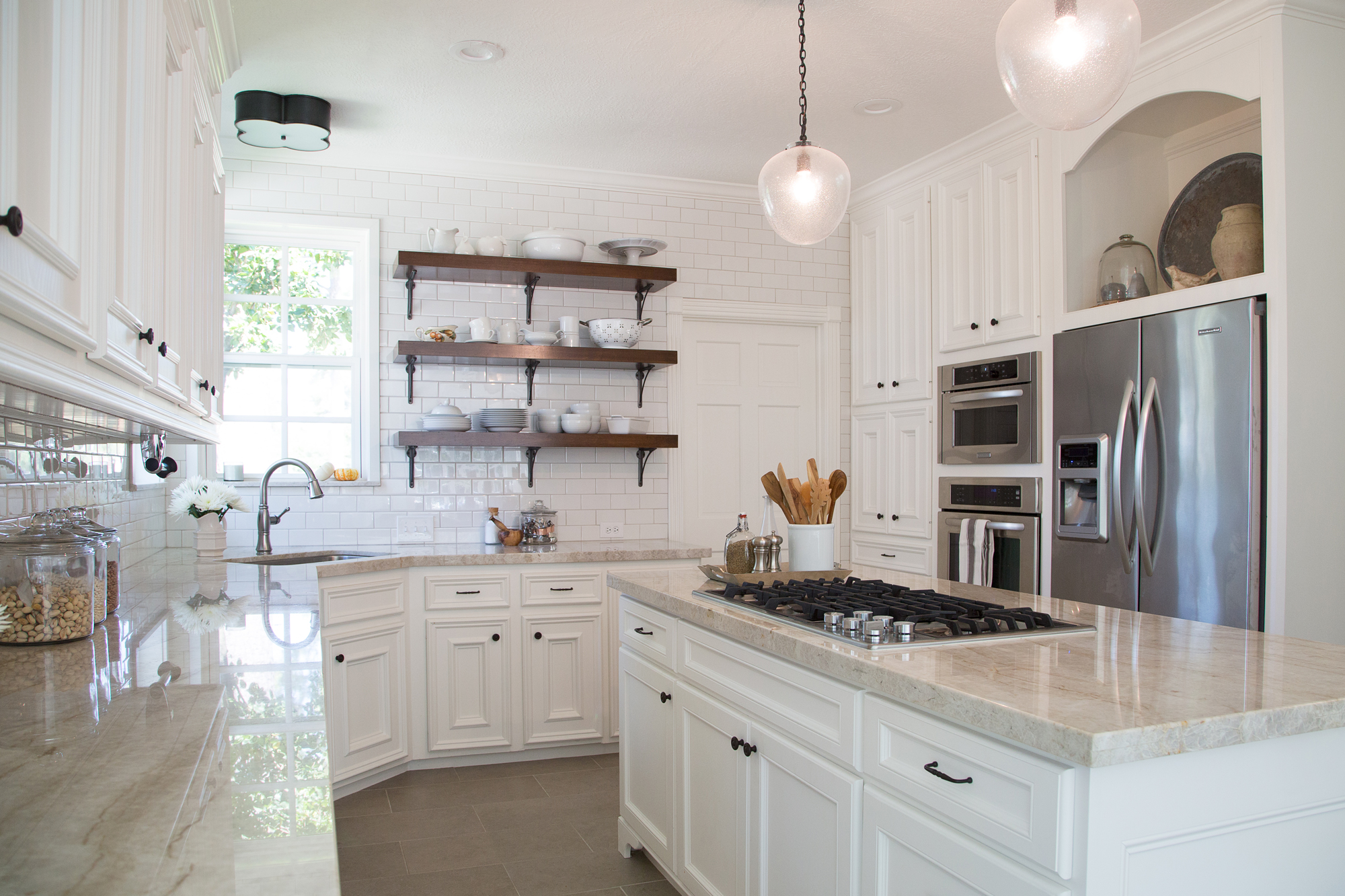 Kitchen walls, ceiling, and trim in white paint, BM White Dove | Designer: Carla Aston, Photographer: Tori Aston #whitepaint #whitepaintcolors