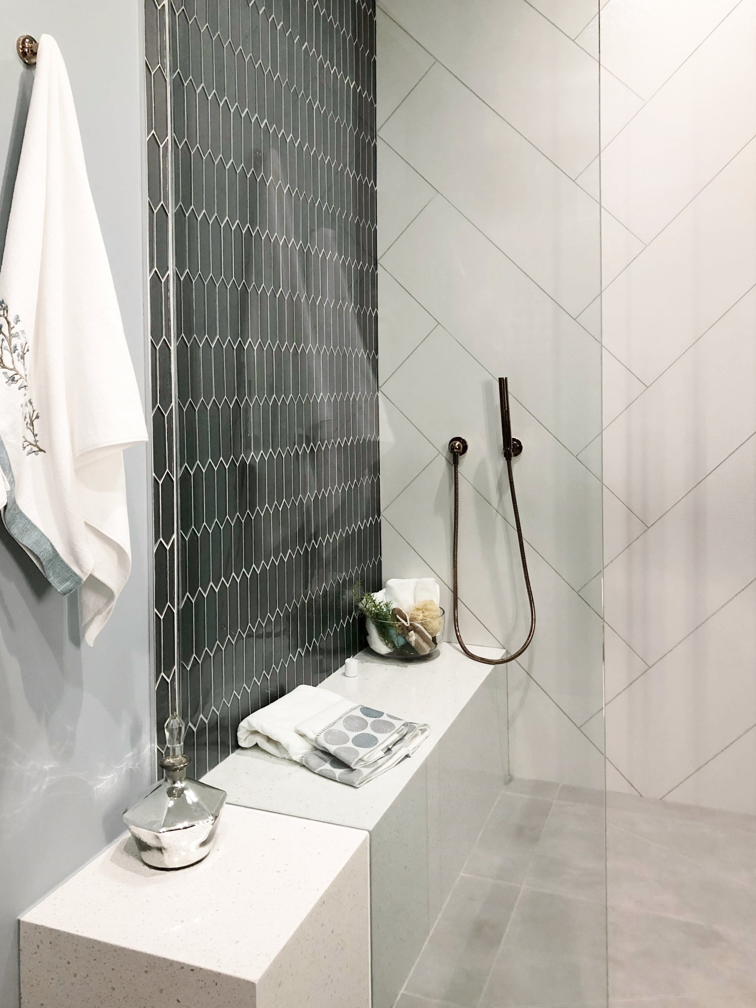 Shower with extended bench |  The New American Home 2019
