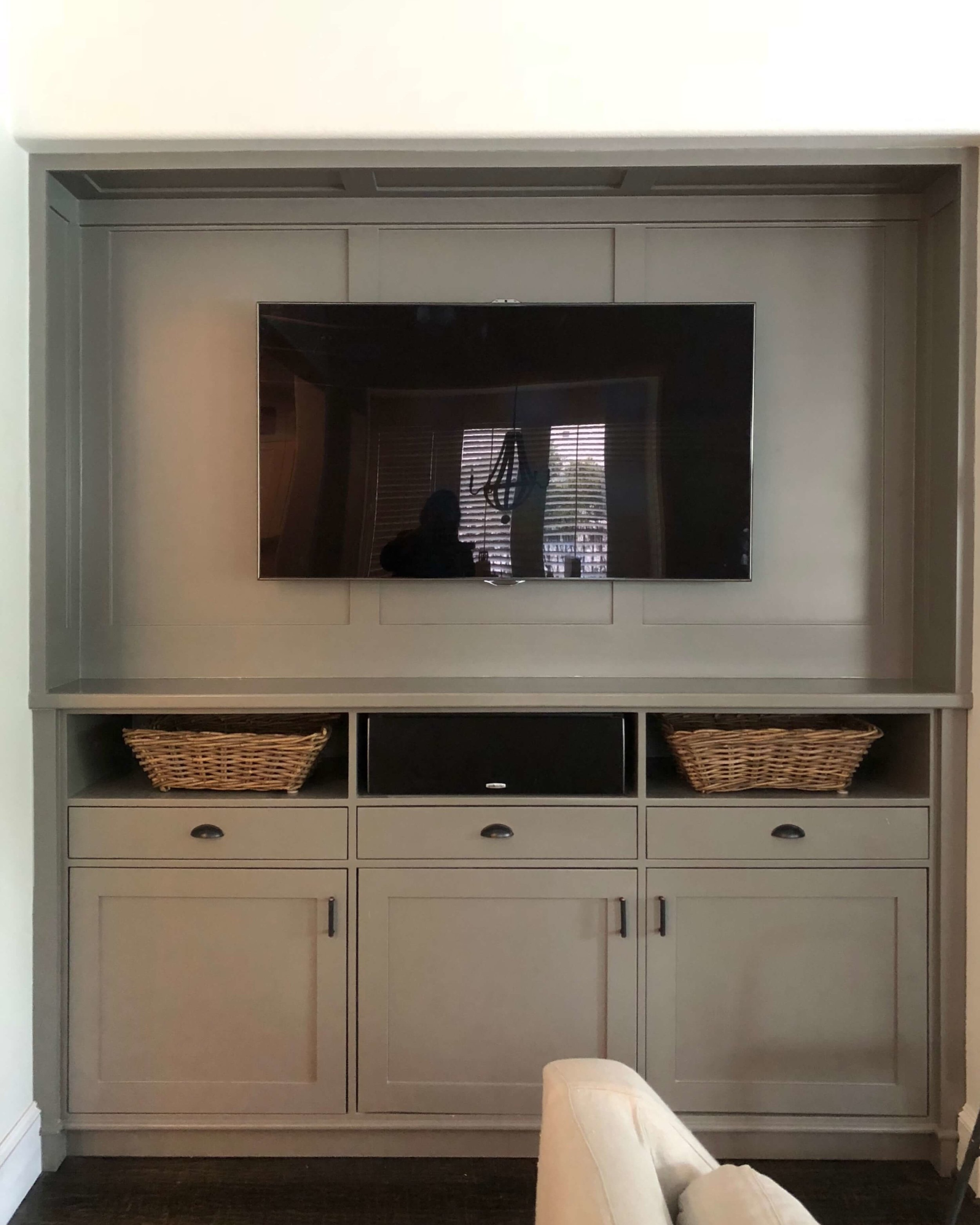 AFTER - The paneled back and sides make for a cleaner, more purposeful look with this flat screen tv cabinet | #tvcabinet