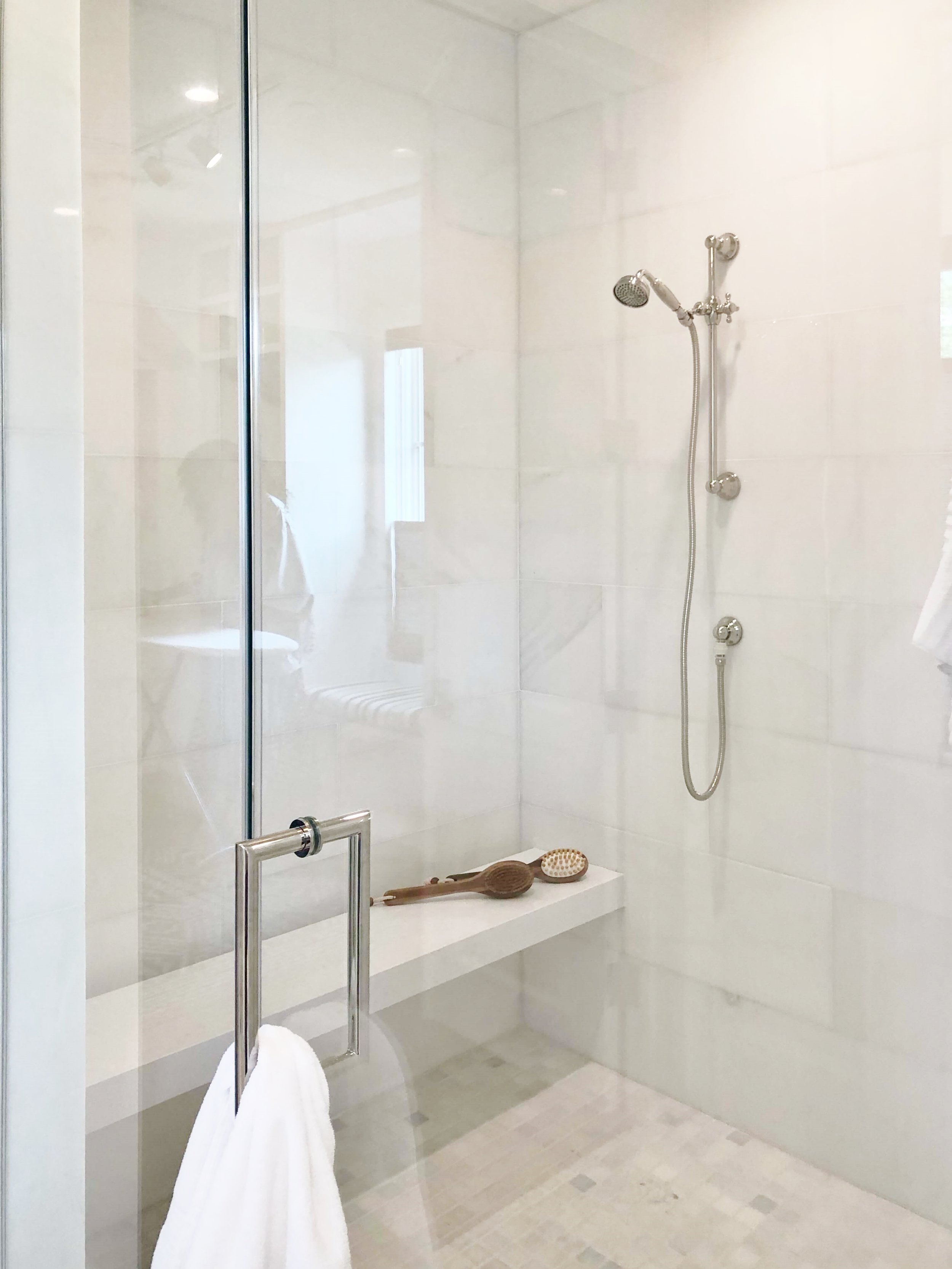 Oversized shower with floating slab bench,  ASID Showhouse River Oaks,  Welch Builders Brokers