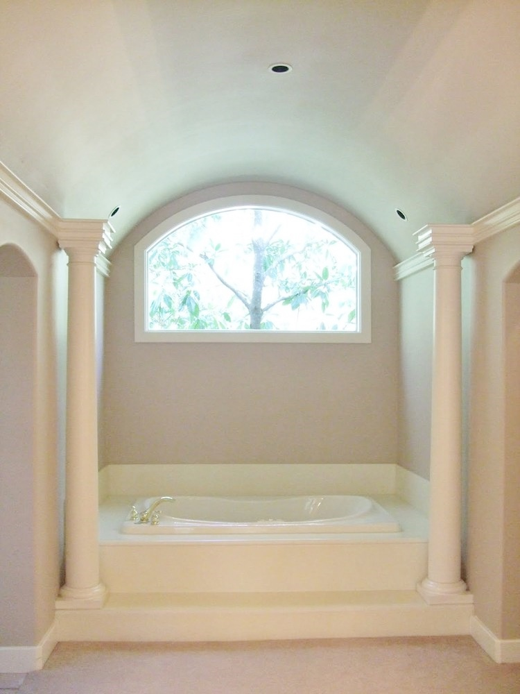 BEFORE master bath remodel with fake columns and big cultured marble surround | #bathroomremodel