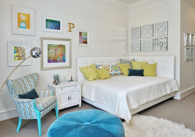 The pillow mix on this girl's room daybed was intentional. Carla Aston, Designer #pillows #daybed #girlbedroomideas
