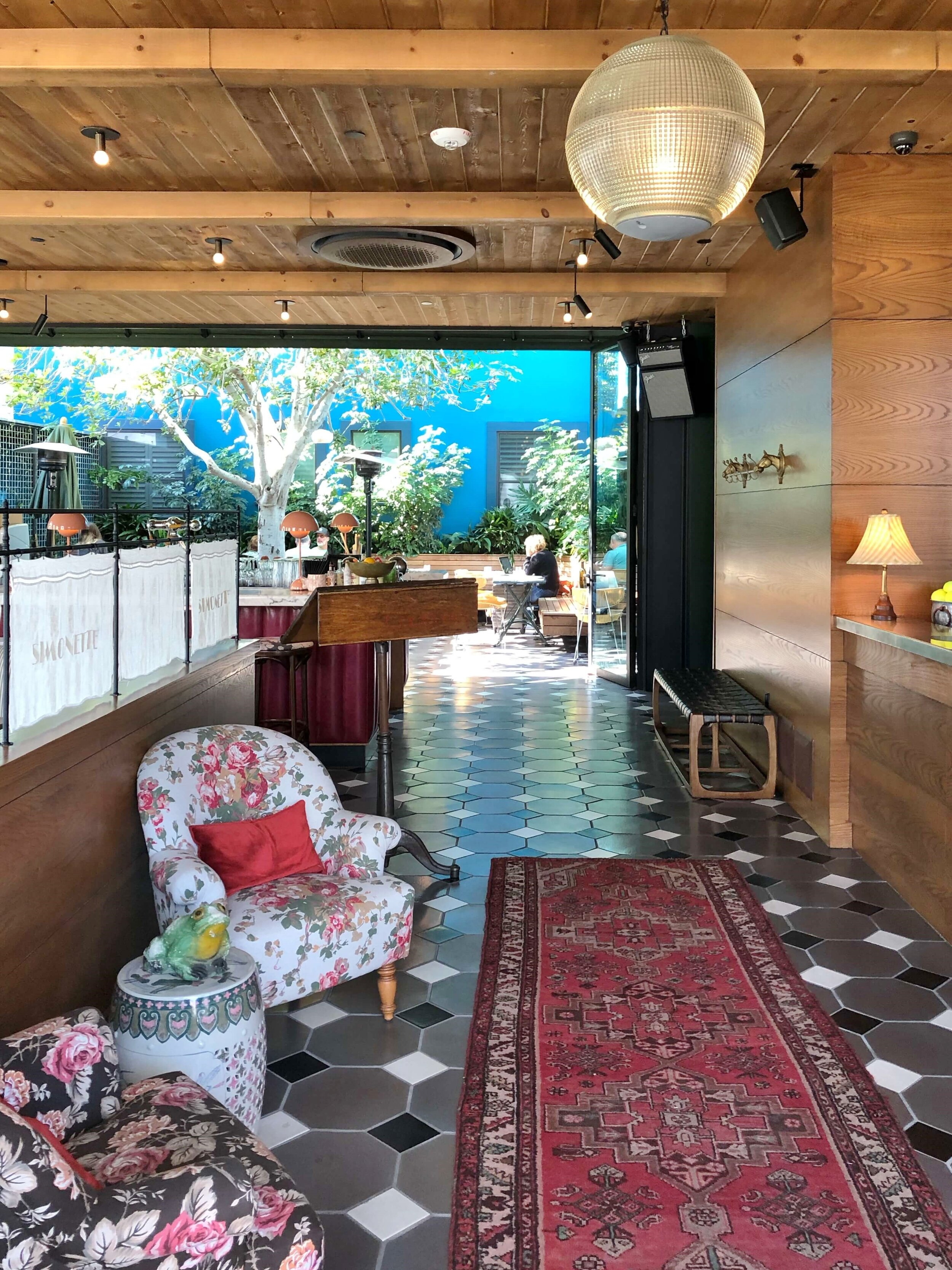 Vintage furnishings feature in the Palihotel, Culver City, a restored Art Deco building with a bohemian modern vibe. #modernboho #artdeco #hotellobby