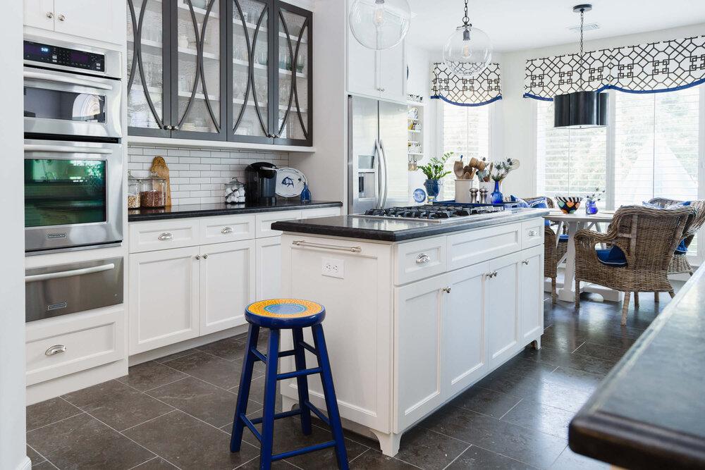 I used a bold trellis pattern on the valances in my white kitchens breakfast area. Designer, Carla Aston | Photographer, Tori Aston #whitekitchen