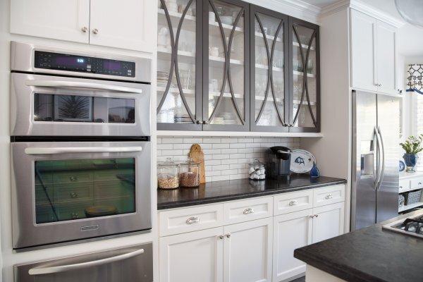 Glass Cabinet Doors In Your Kitchen, Kitchen Cabinet Glass Door Options