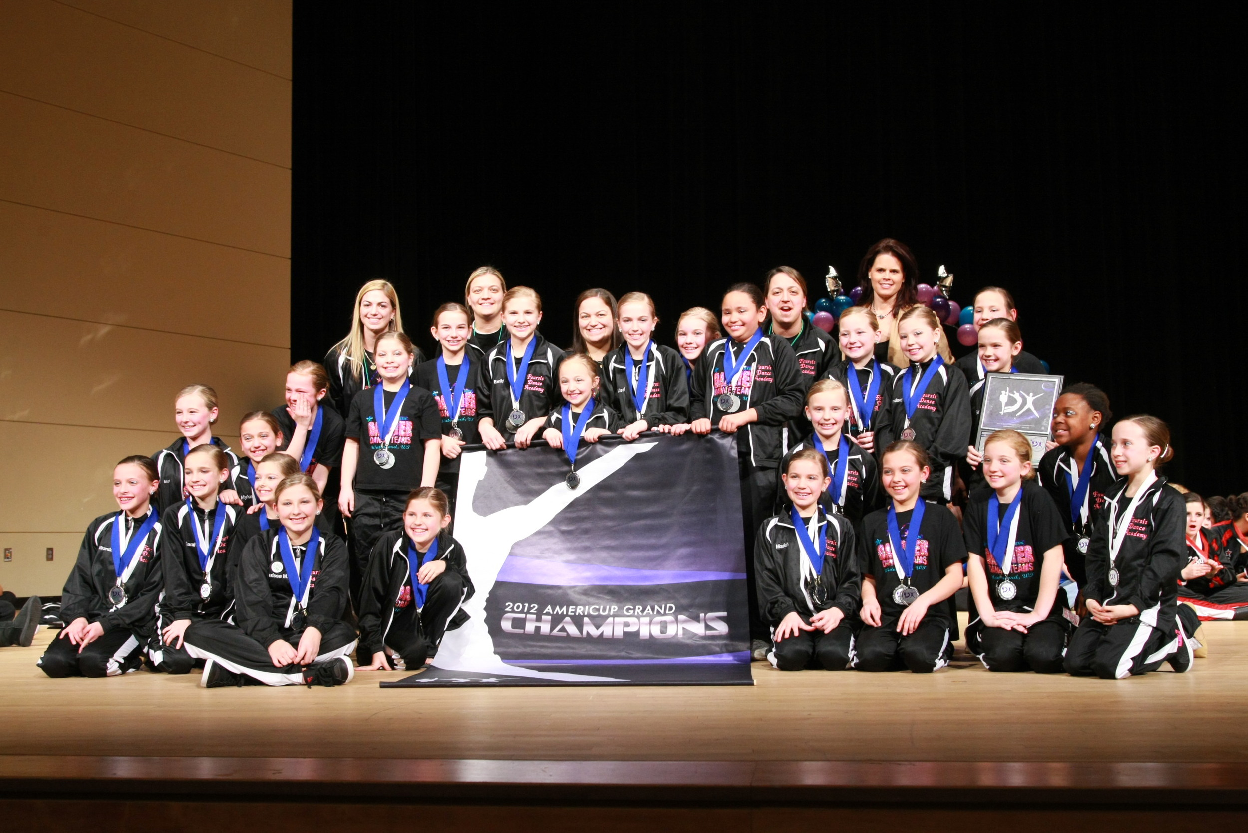 2012 AmeriCup Youth Grand Champions  Foursis Dazzlerettes, Wisconsin