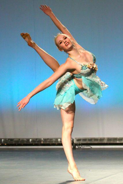 Alyssa Ness, Dancer