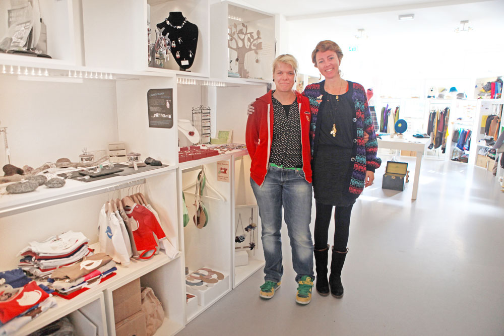 Seller Anna Treurniet and proprietor Giulia of The New Label Project