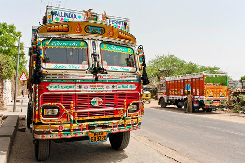 The_Truck_Art_of_India-1.jpg