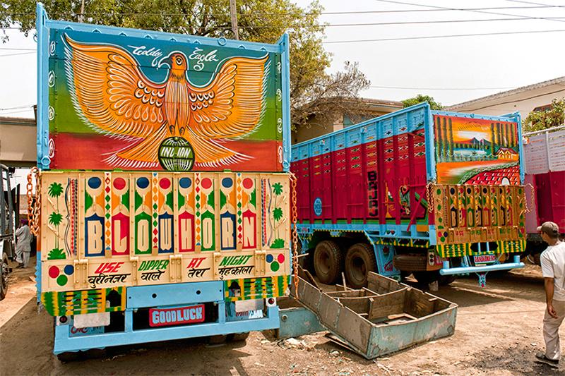 The_Truck_Art_of_India-4.jpg