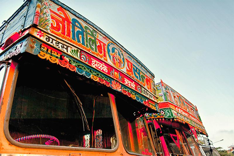 The_Truck_Art_of_India-3.jpg