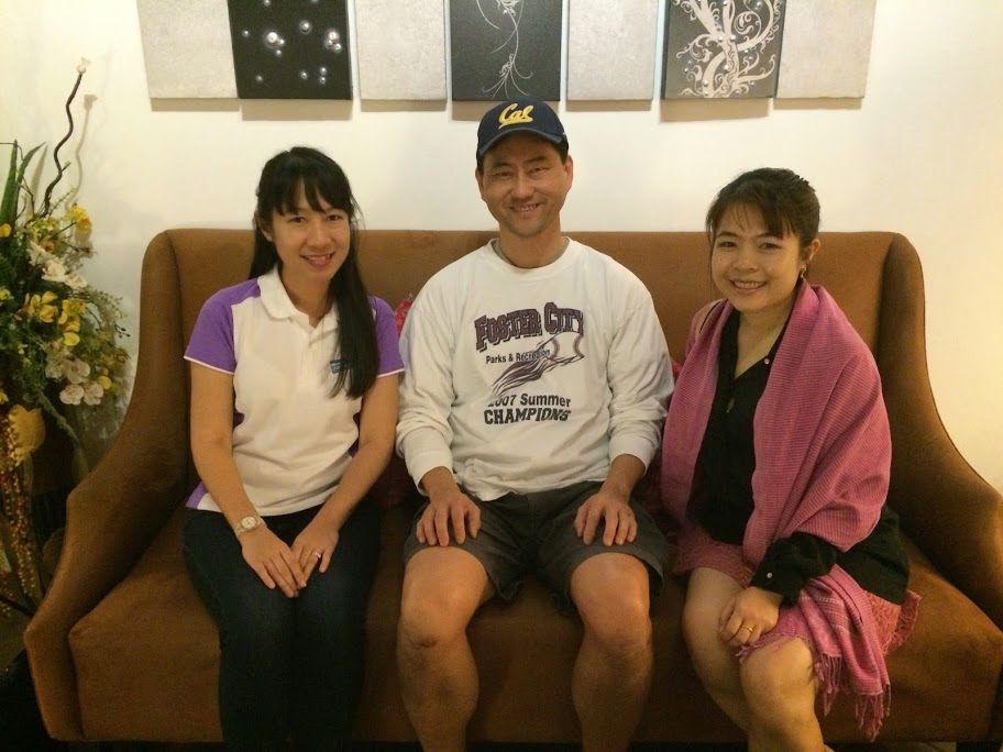 Ken with Oan (left) and her sister Oat, our guides in Chiang Rai. Oan studied at SPU and Princeton Theologica  l Seminary.