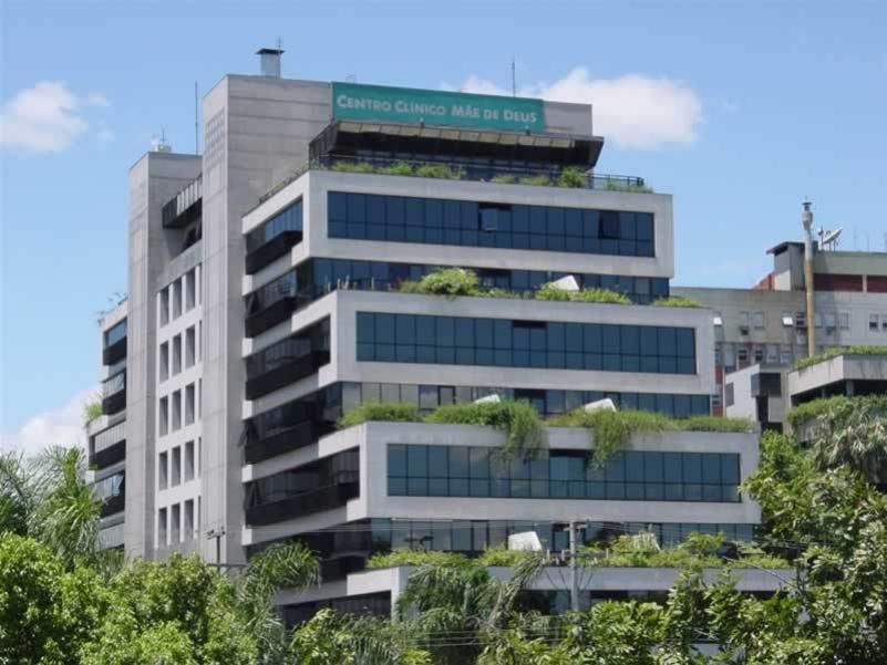 Centro Clinico Mãe de Deus. Rua Costa, 30 - Sala 608