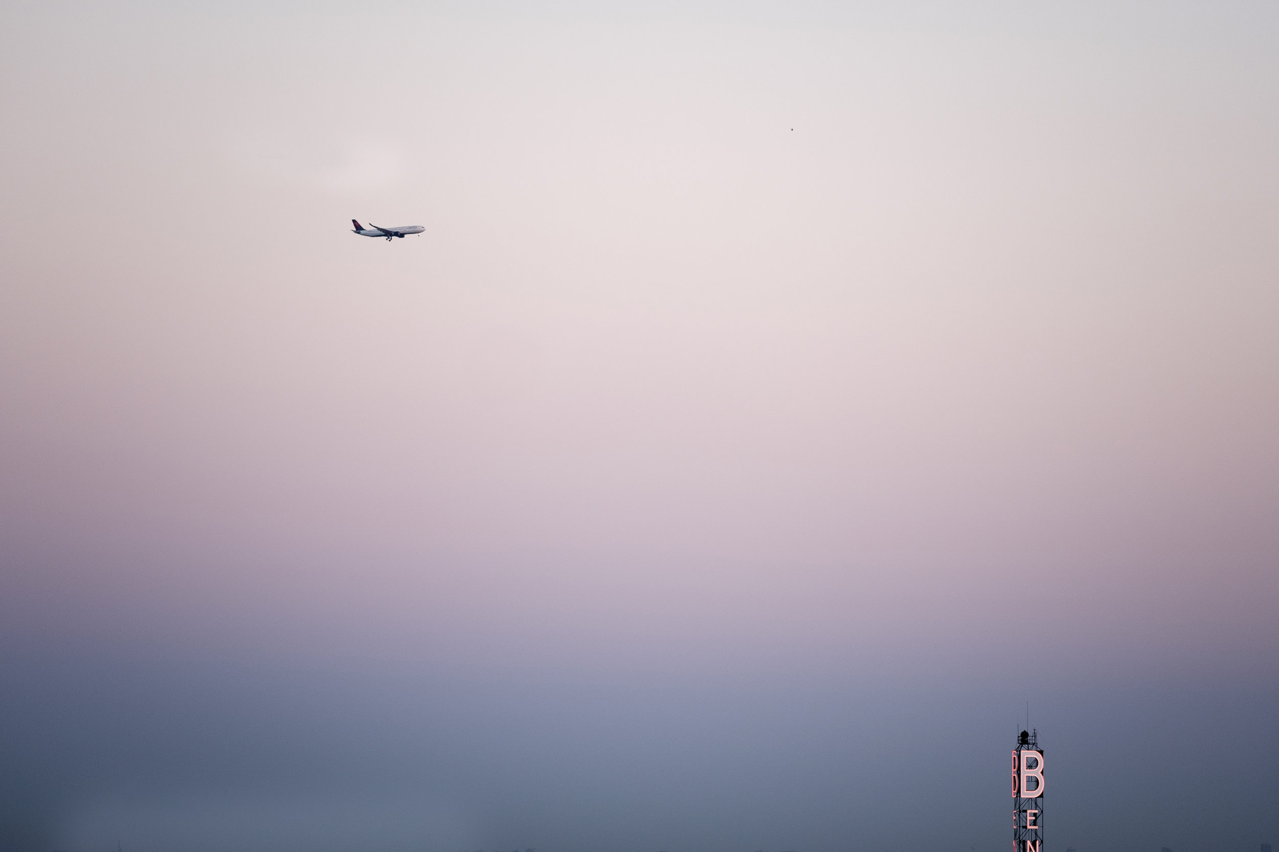 This, and the next two images, might ultimately become a series. Negative space, and the planes (on their approach to LAX) as composition elements. 140mm f/2.8, ISO 200, 1/120s