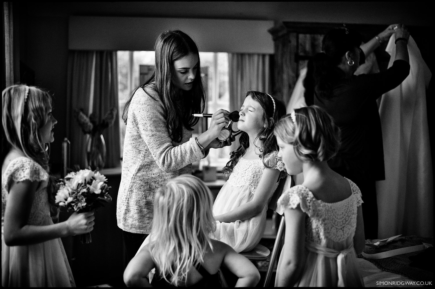 Documentary wedding photography by Simon Ridgway (Leica M9, Zeiss 50/2 Planar)