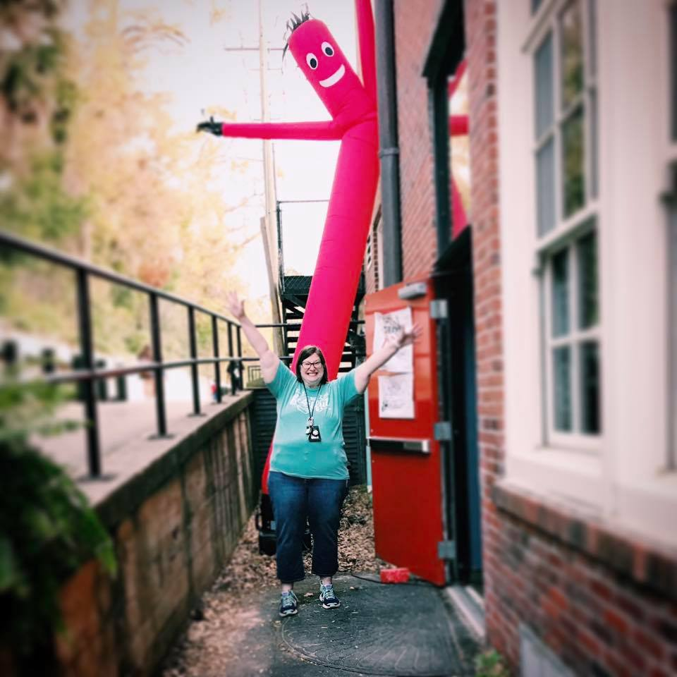 i also love windsock dancy guys. and my husband bought me very very own dancy guy for my birthday a few years ago. turns out you can buy ANYTHING on the internet. i like them because no matter what song is on, they appear to be dancing to it. i want to be like that. dancing to whatever music is playing.