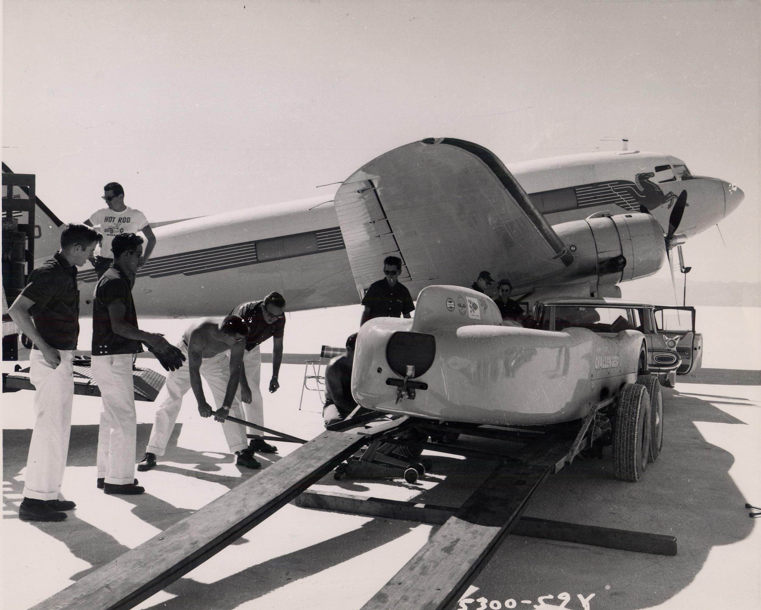 Challenger Bonneville 1960 B2.jpg