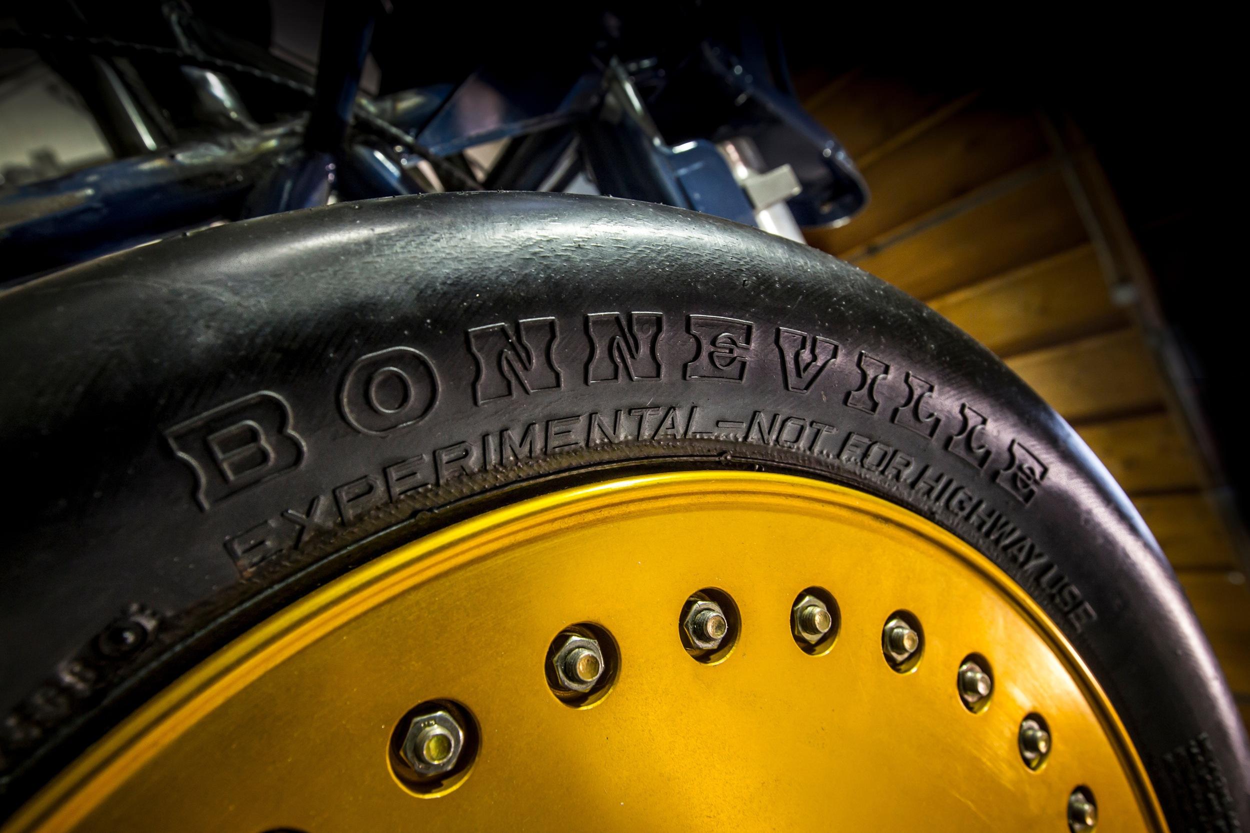 bonneville tire-thompson lsr - image by holly martin.jpg