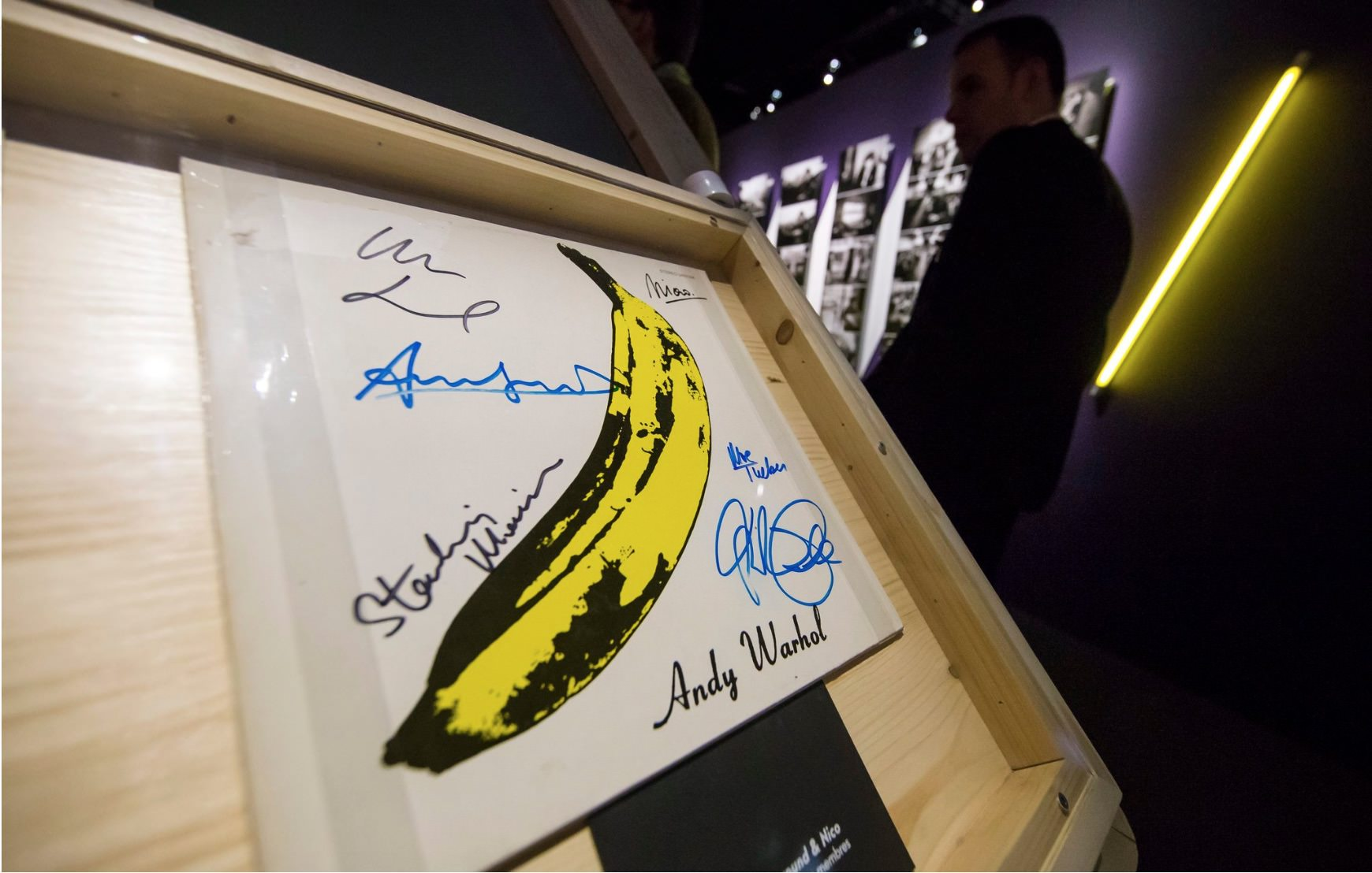 A signed edition of the Velvet Underground's first album is featured in the Philharmonie exhibition.