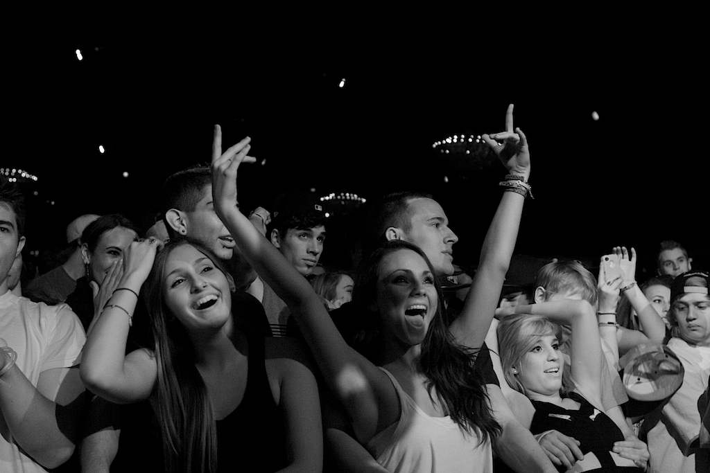 The Fillmore crowd showing love to Gramatik. (Photo Credit: Robert Castro)