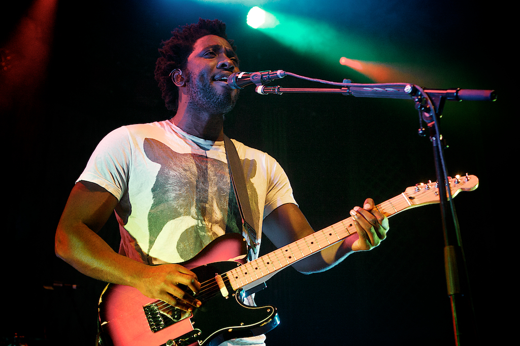 Kele Okereke (Photo Credit: Robert Castro)