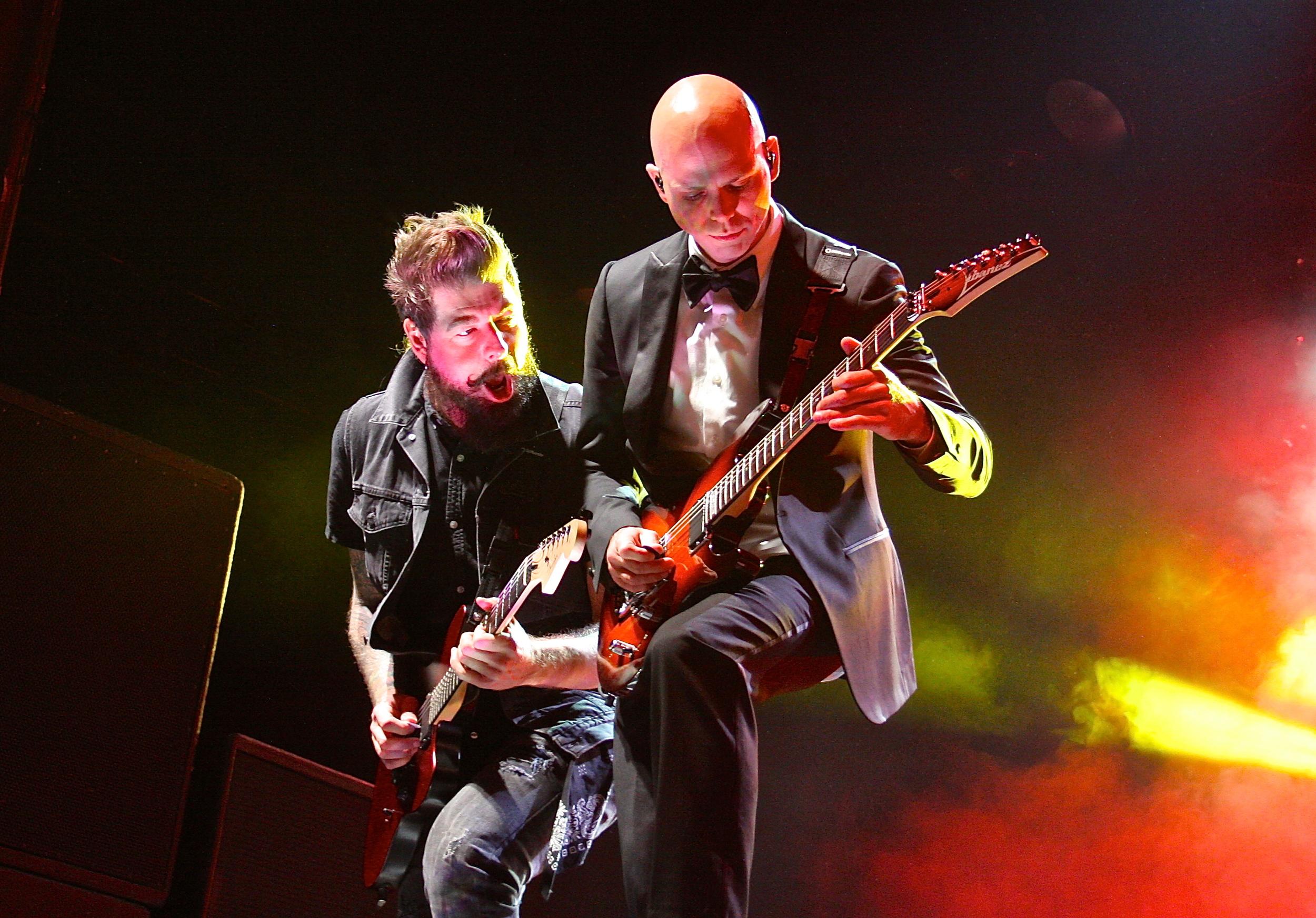 Stone Sour rocking the crowd (Photo Credit: David Burke)