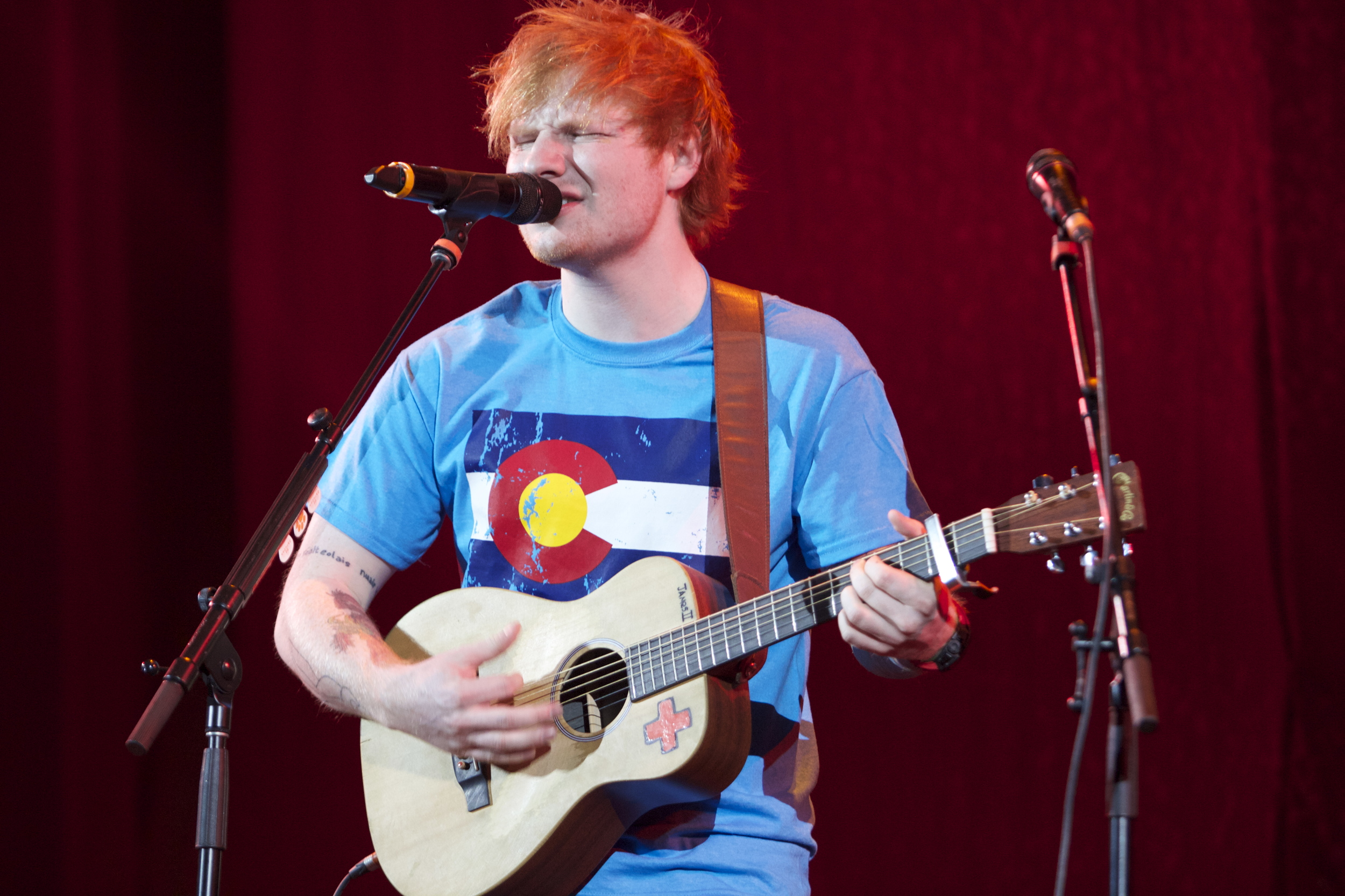 Ed Sheeran representing Colorado with his awesome shirt (Photo Credit: Robert Castro)