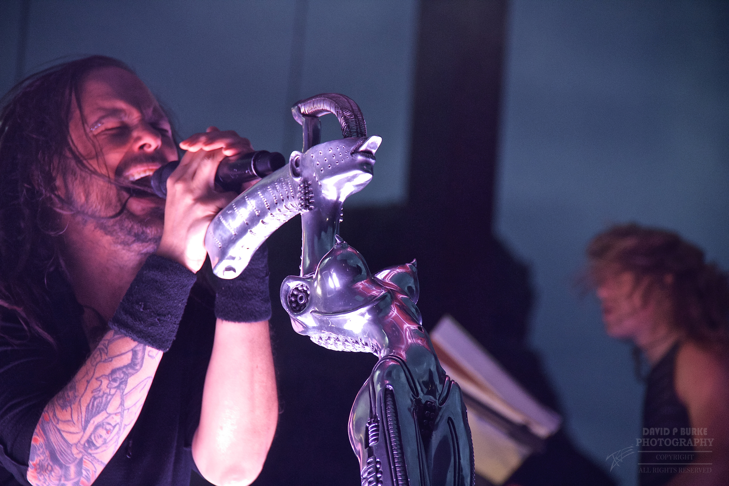 Jonathan Davis of KoRn with his awesome mic stand. Can you guess who designed it? (Photo Credit: David Burke)