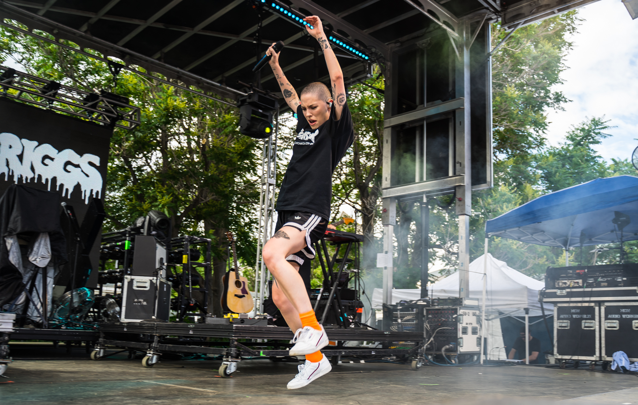 Bishop Briggs providing one of the best sets of the day. (Photo Credit: Robert Castro)