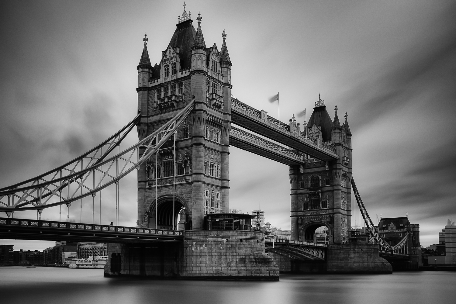 Tower Bridge - 240 seconds at f/8