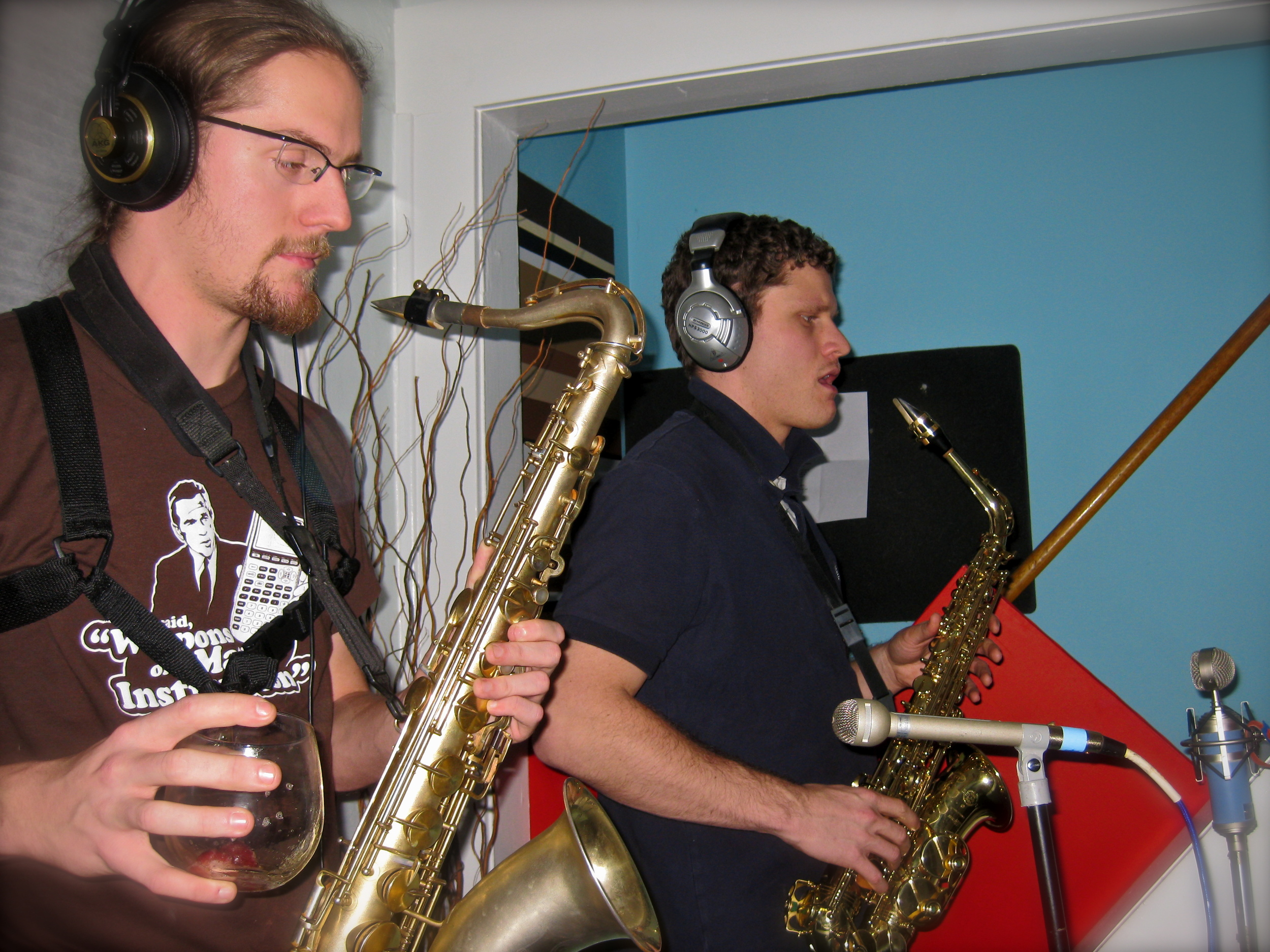 Tracking horns