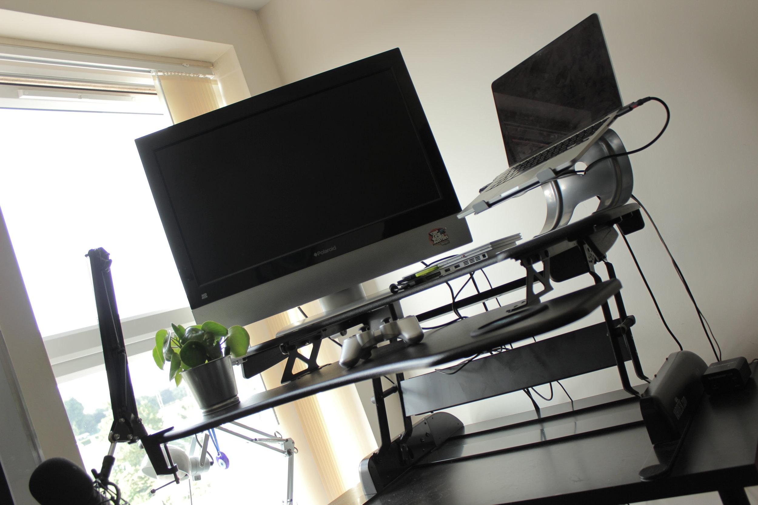 New Rising Media Desk Setup Varidesk