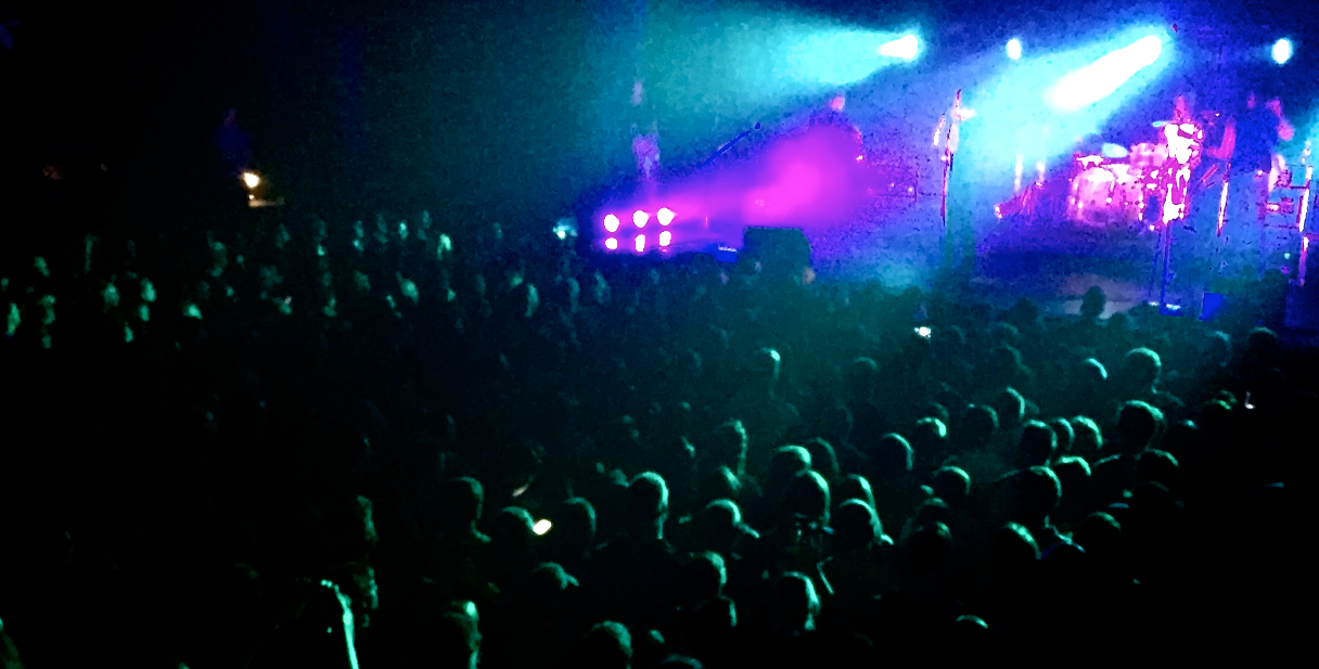 Not so much difference between concerts and modern worship events. This is an Anberlin show. Not a worship service.