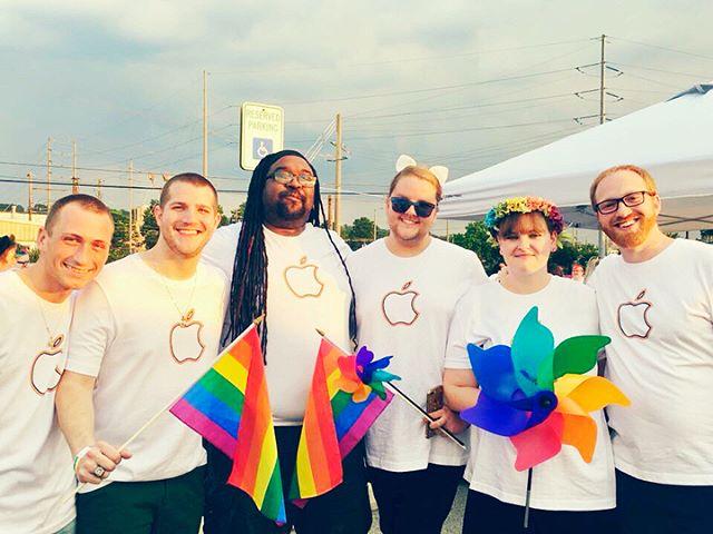 ❤️🧡💛💚💙💜 🏳️🌈 My heart is full. 🏳️🌈 ❤️🧡💛💚💙💜 #Pride #Pride2018 #ApplePride