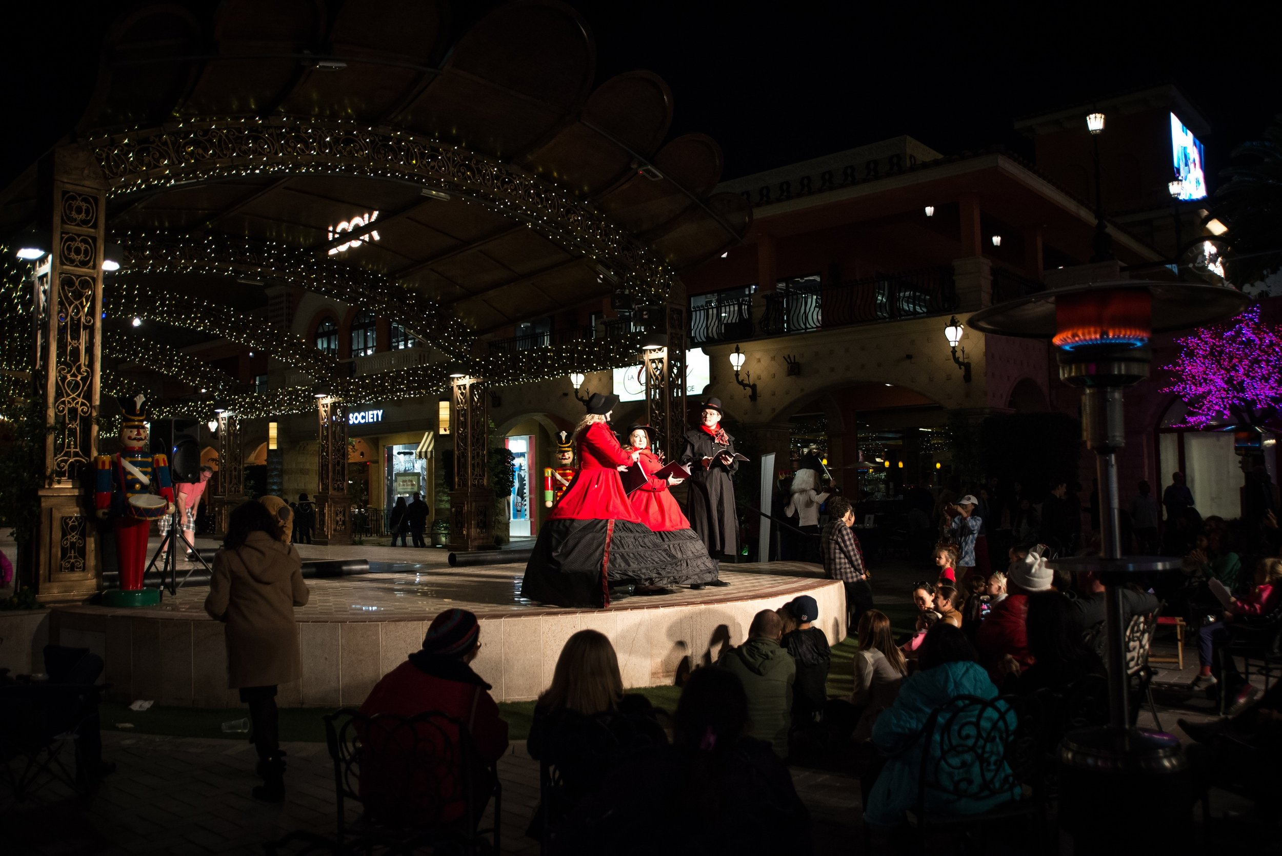 Event Photography: Caroling with Sin City Opera