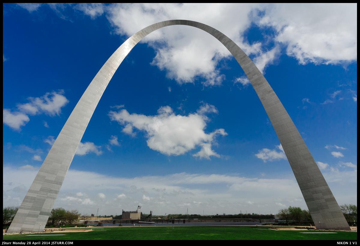St. Louis Arch - Nikon 1 V1 - 6.7-13mm.