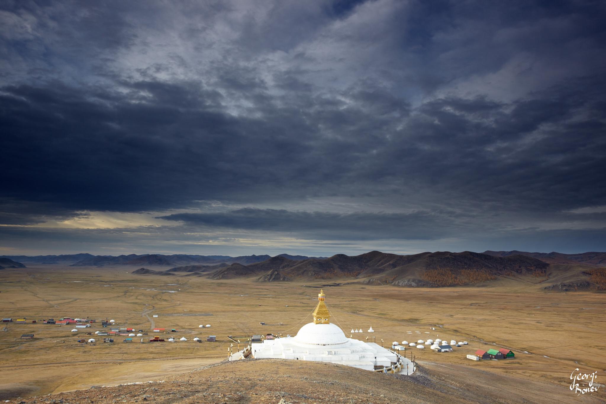 BUDDHIST STUPA NEAR AMARBAYASGALANT MONASTERY, MONGOLIA