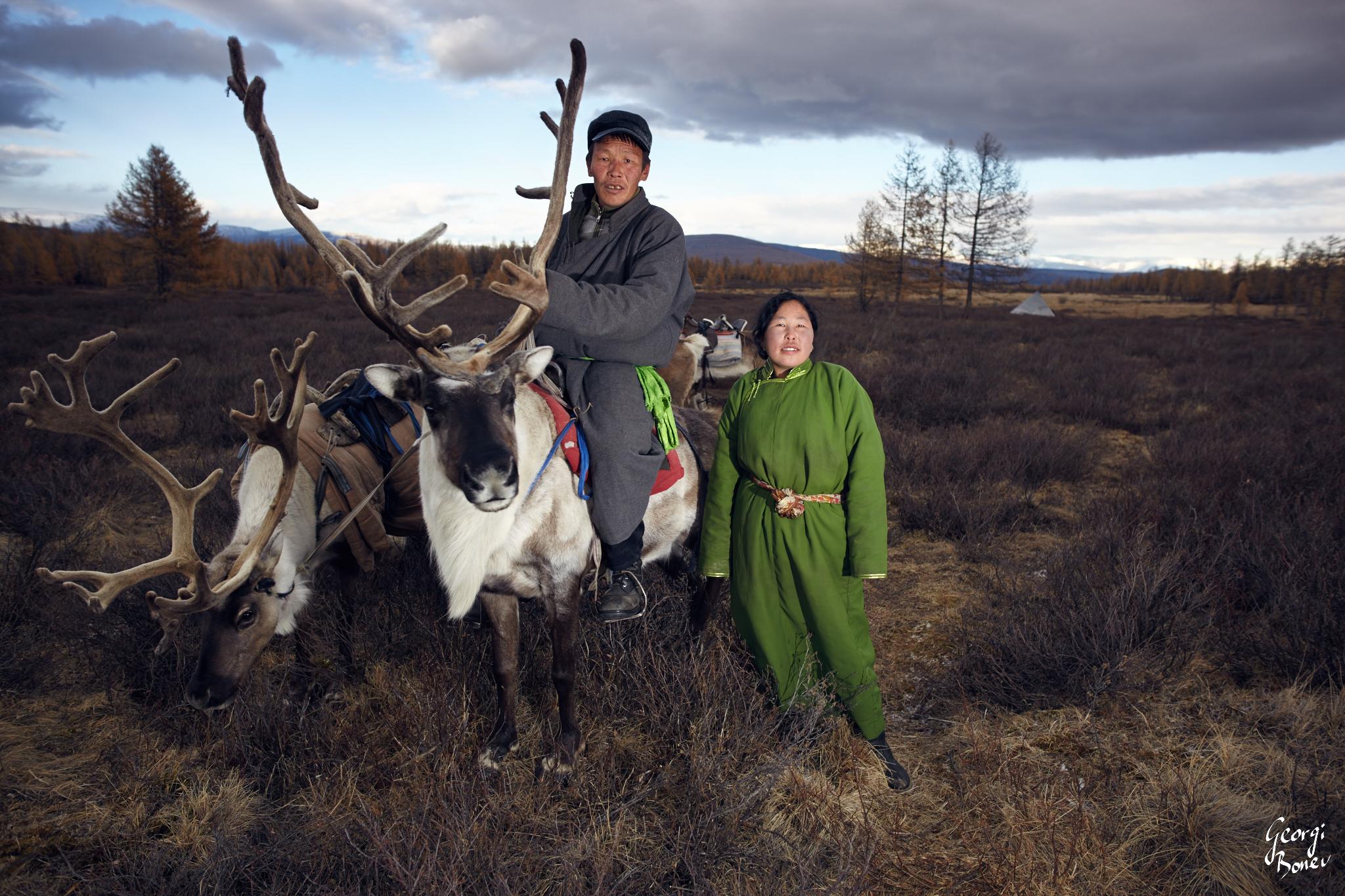 MANHA & HER UNCLE, TSAATAN PEOPLE, MONGOLIA