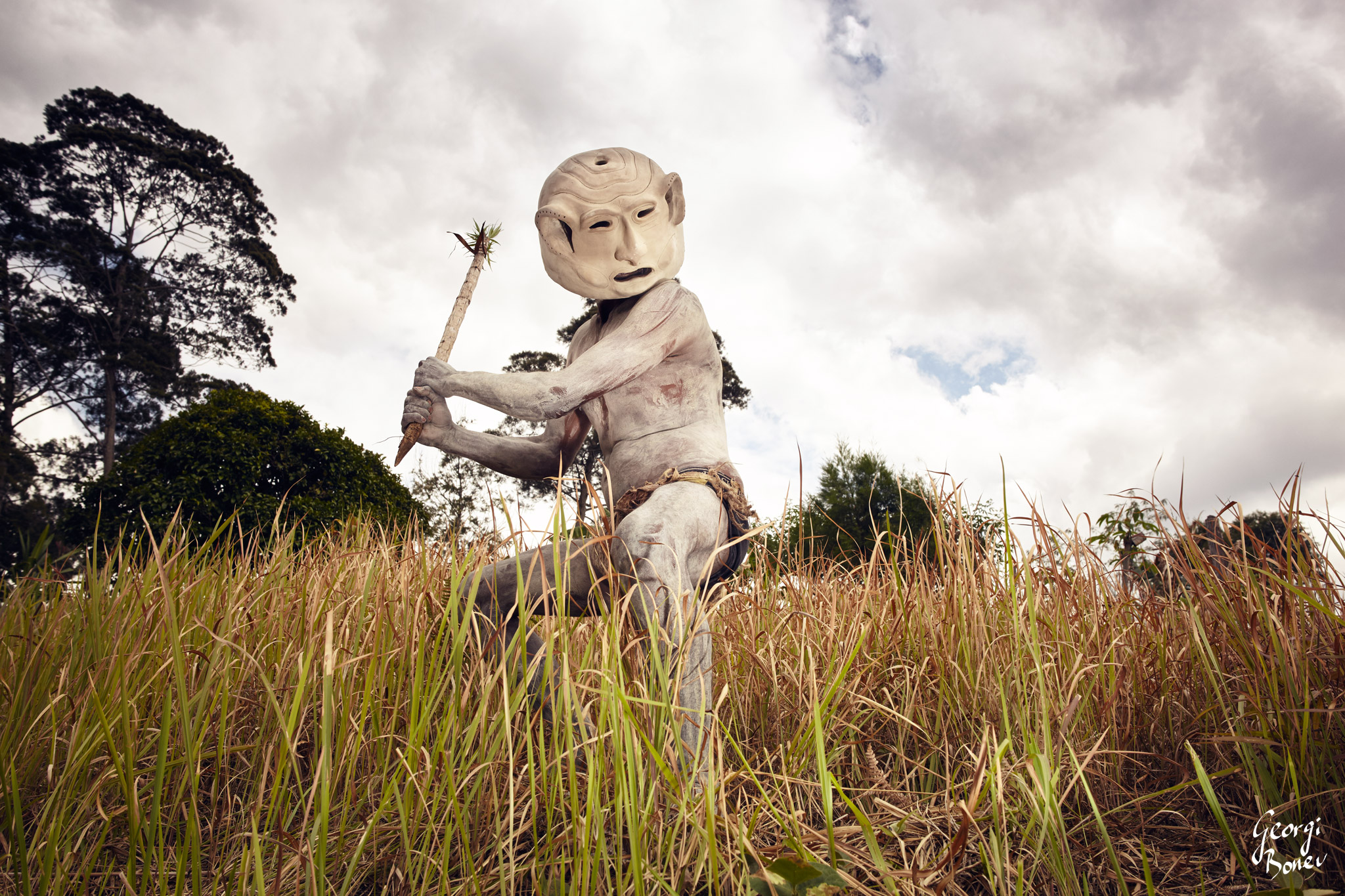 ASARO MUDMEN IN PAPUA NEW GUINEA LOOKING SCARRY