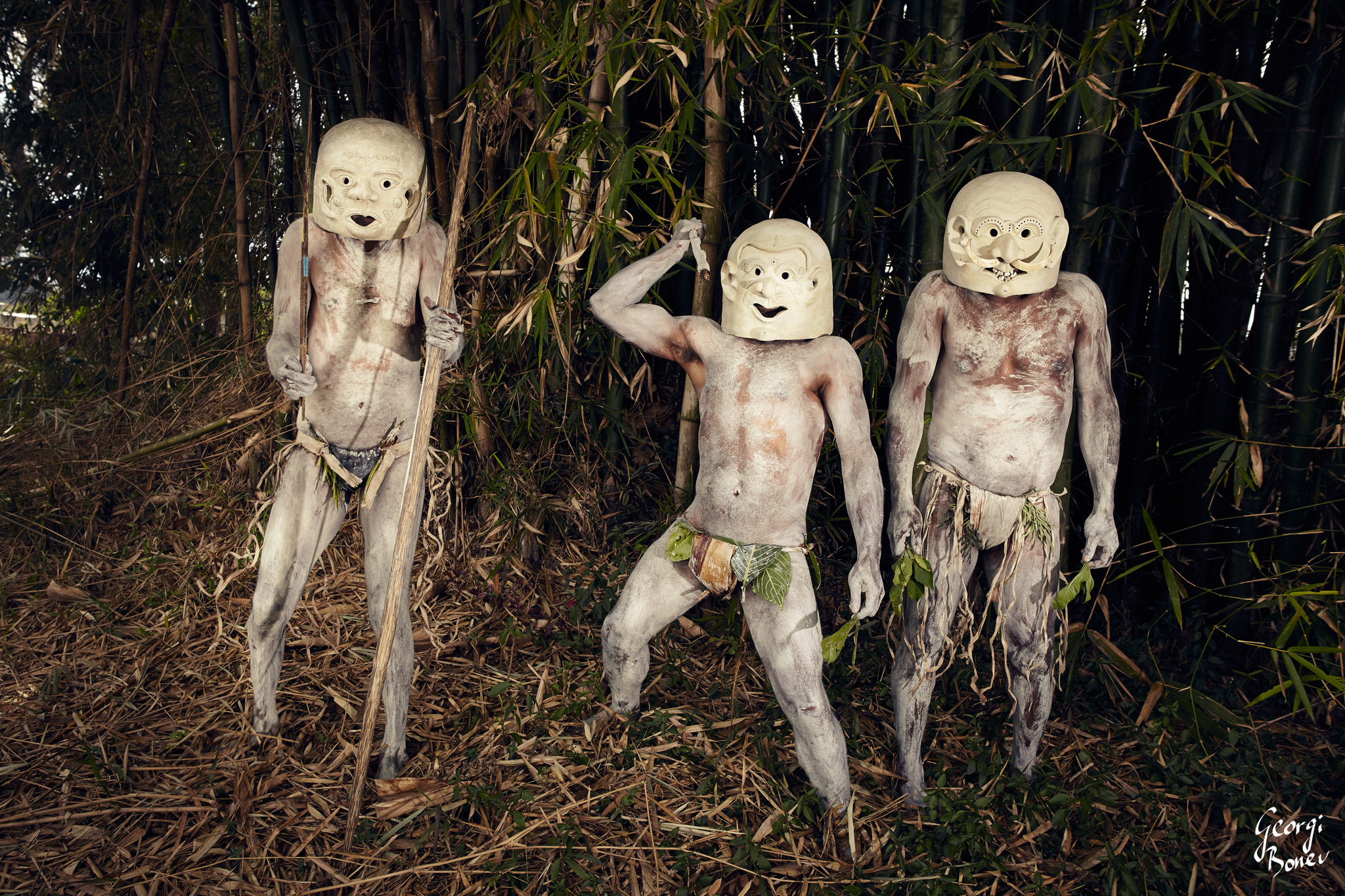 ASARO MUDMEN WARRIORS IN BAMBOO FOREST, PAPUA NEW GUINEA