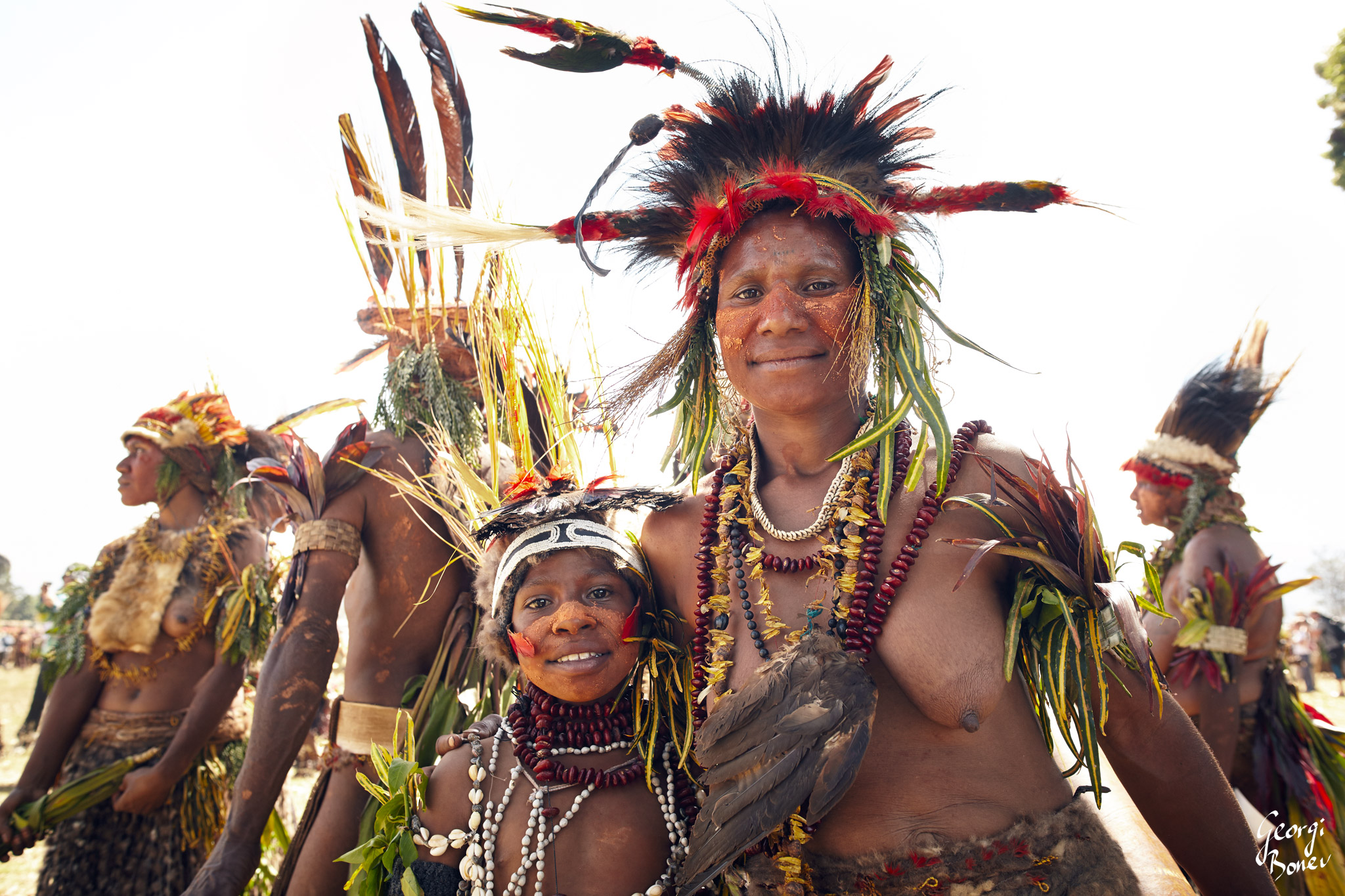 OKIRO AND HER KID ARE ATRIGU MEMBERS IN PAPUA NEW GUINEA