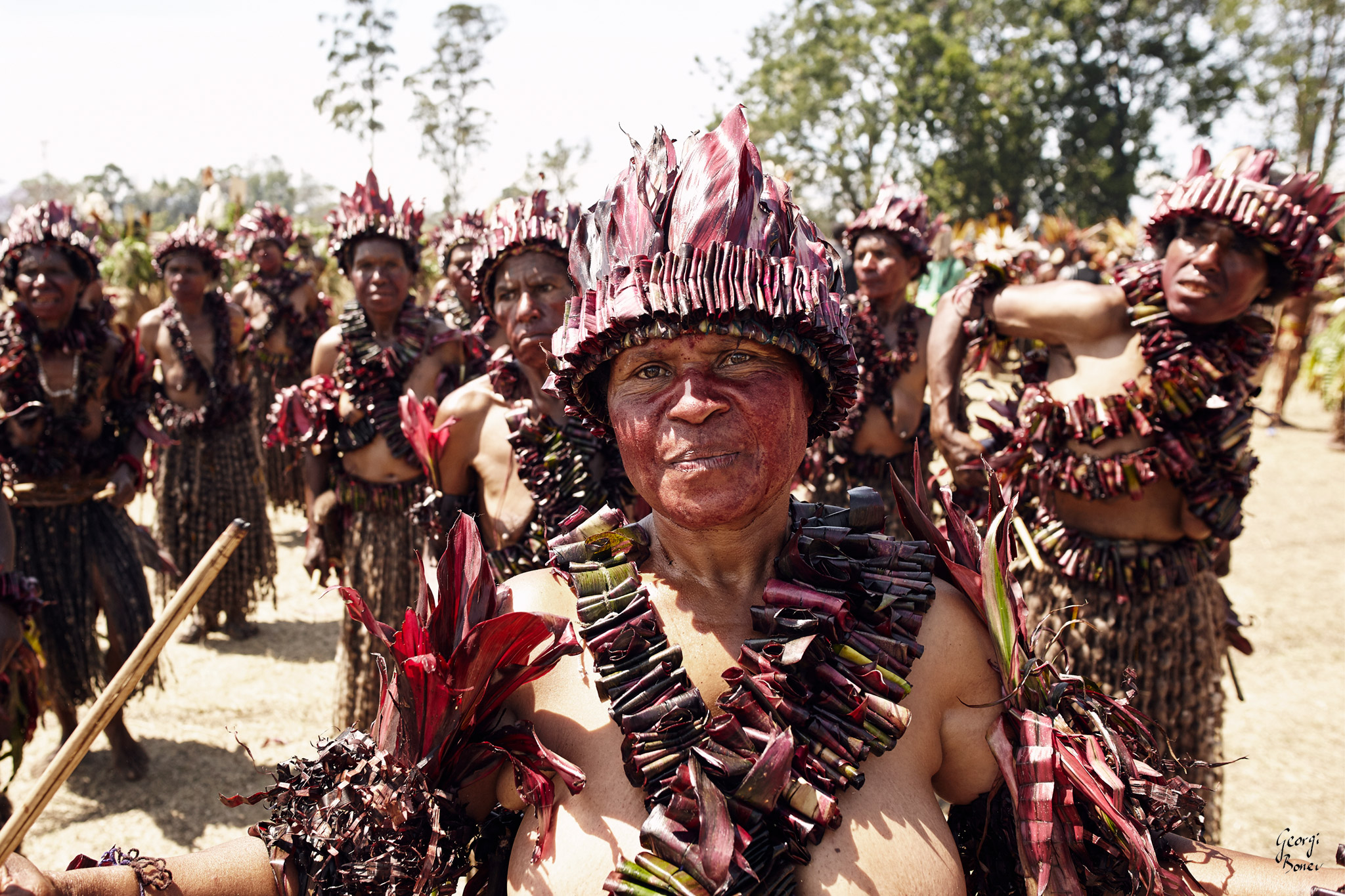 ELIMBARI WOMAN IN PAPUA NEW GUINEA