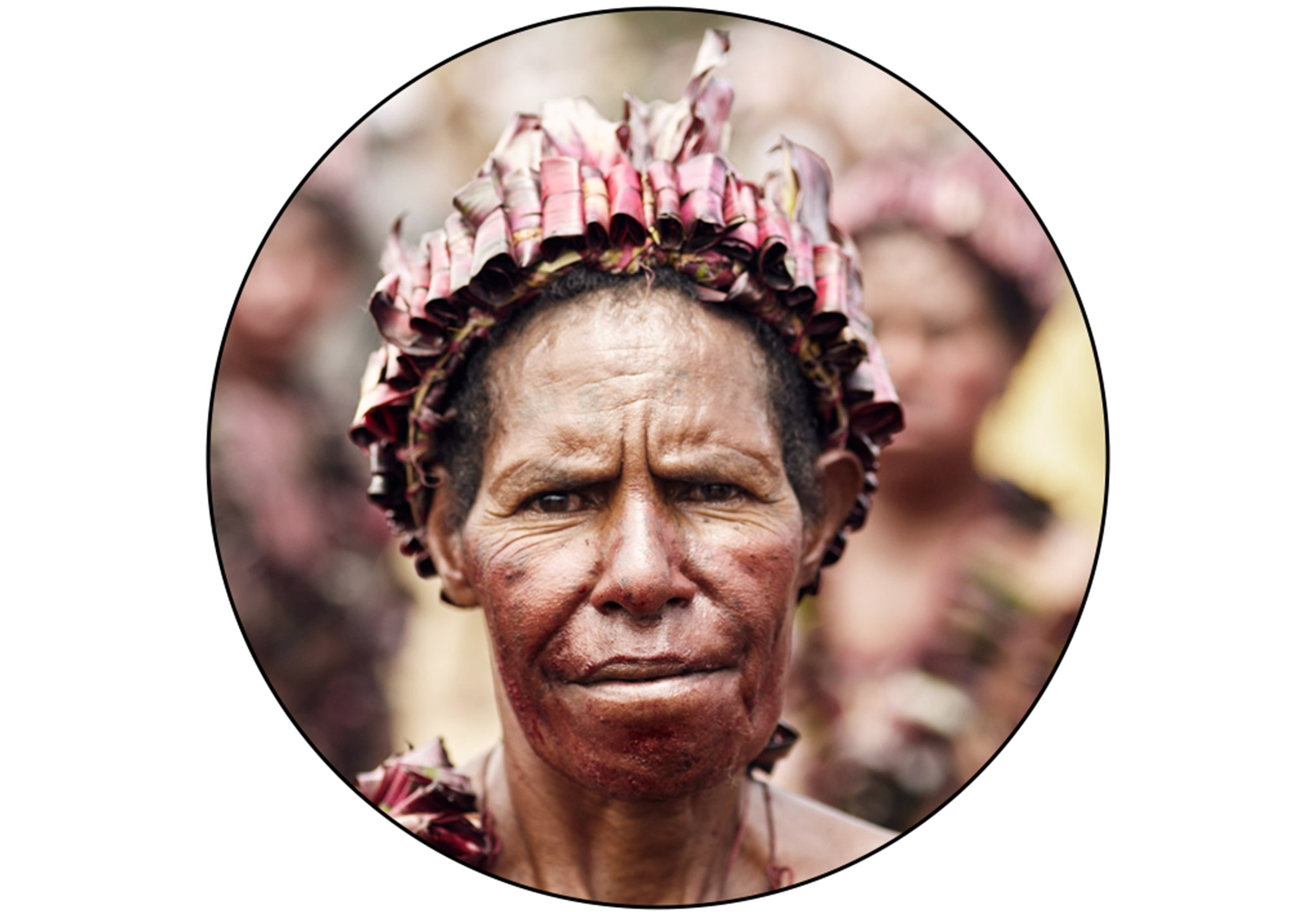 Elimbari_tribe_environmental_portrait_1_woman